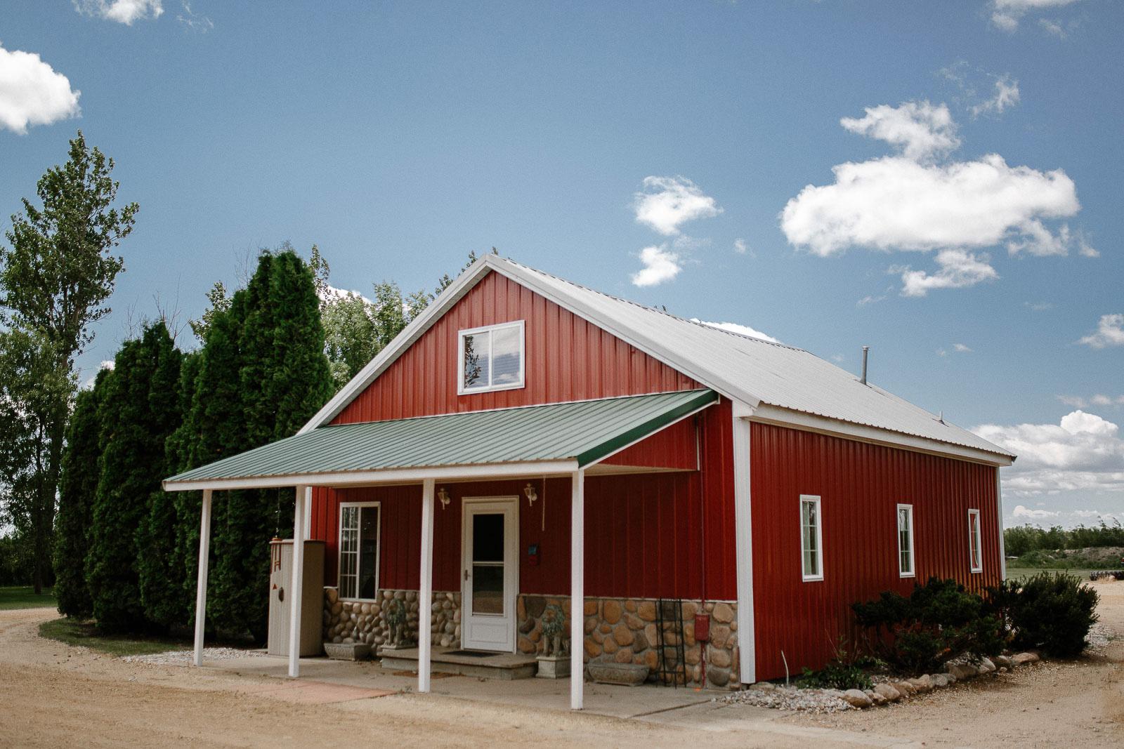 Intimate_Farmhouse_SD_Wedding_Bridgette_Philip_005.jpg