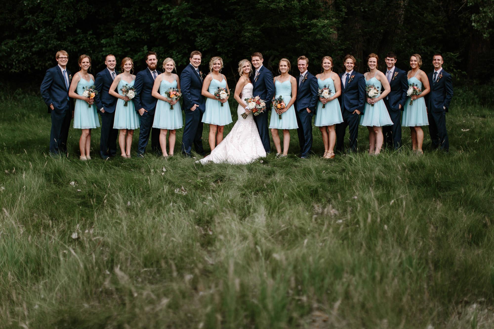 meadow-barn-wedding-sioux-falls-south-dakota-romantic-adventerous-michael-liedtke-photography040.jpg