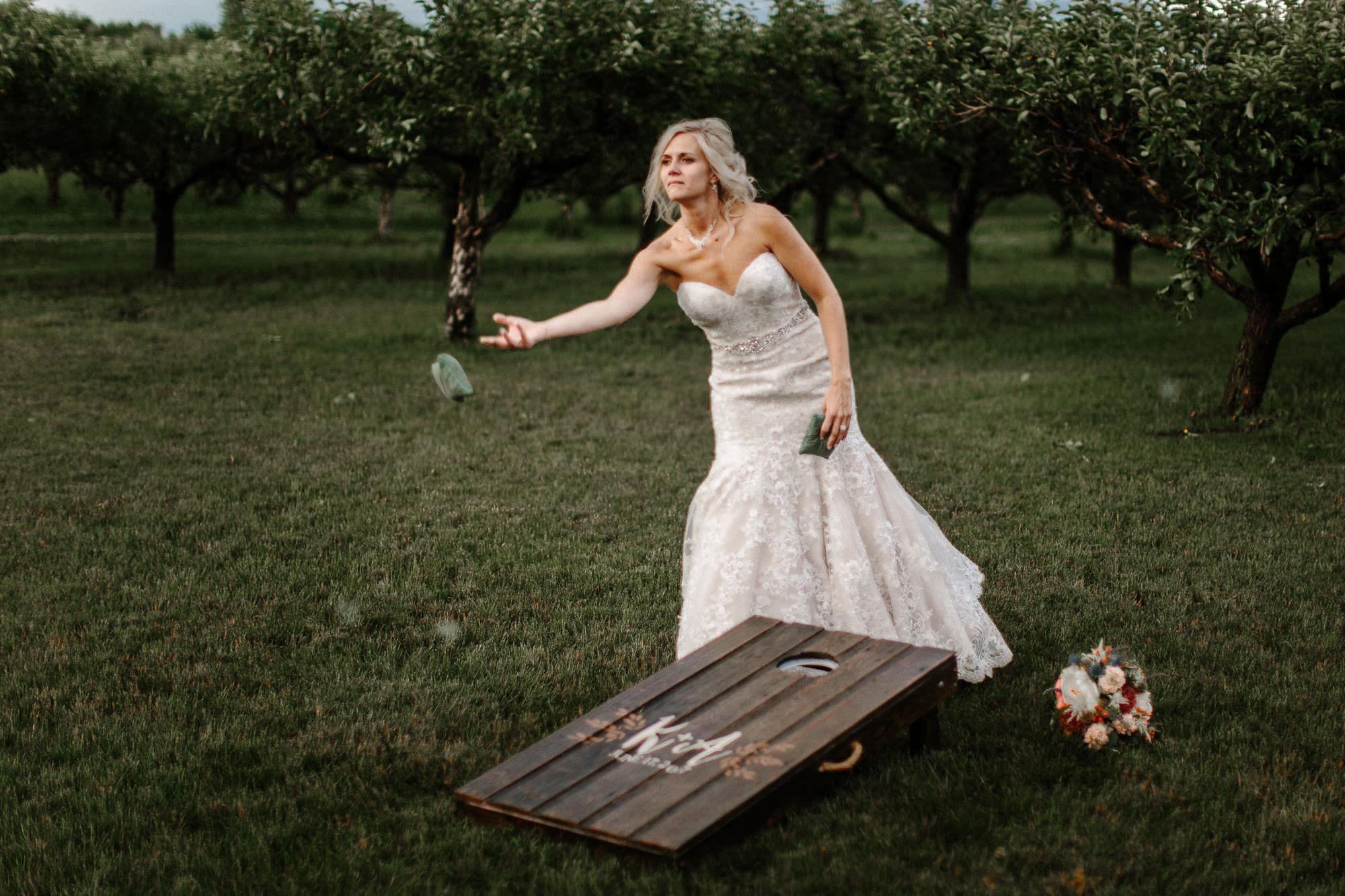 meadow-barn-wedding-sioux-falls-south-dakota-romantic-adventerous-michael-liedtke-photography061.jpg