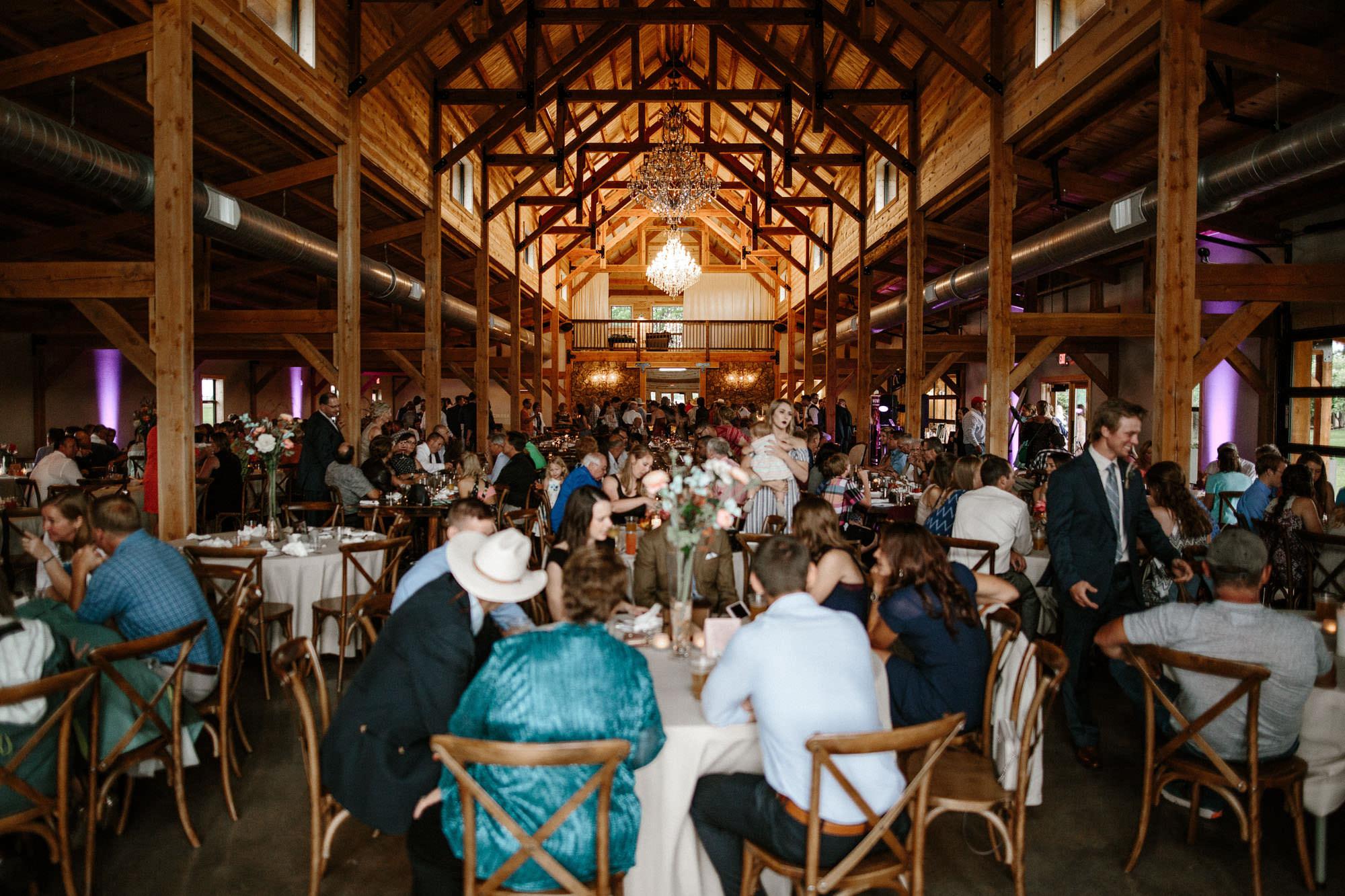 meadow-barn-wedding-sioux-falls-south-dakota-romantic-adventerous-michael-liedtke-photography066.jpg