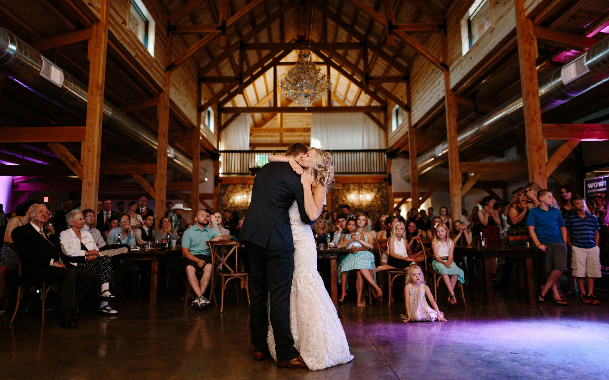 meadow-barn-wedding-sioux-falls-south-dakota-romantic-adventerous-michael-liedtke-photography125.jpg