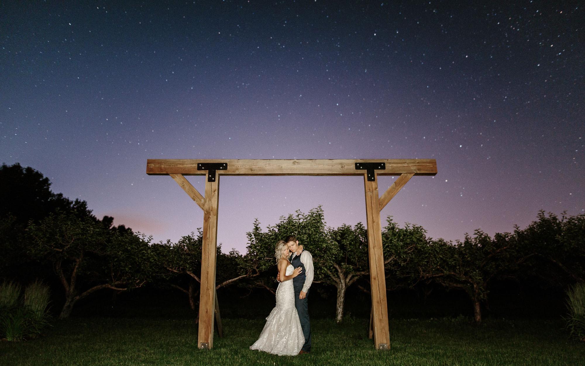 meadow-barn-wedding-sioux-falls-south-dakota-romantic-adventerous-michael-liedtke-photography137.jpg