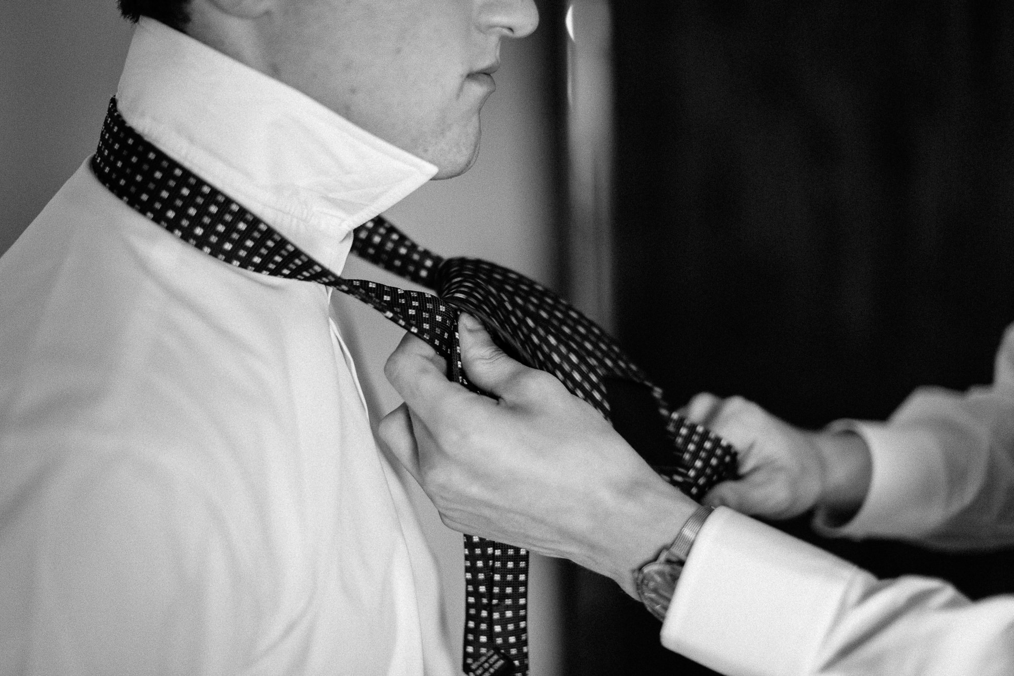 wedding-elopement-adventerous-romantic-timeless-south-dakota-blue-haven-barn-007.jpg
