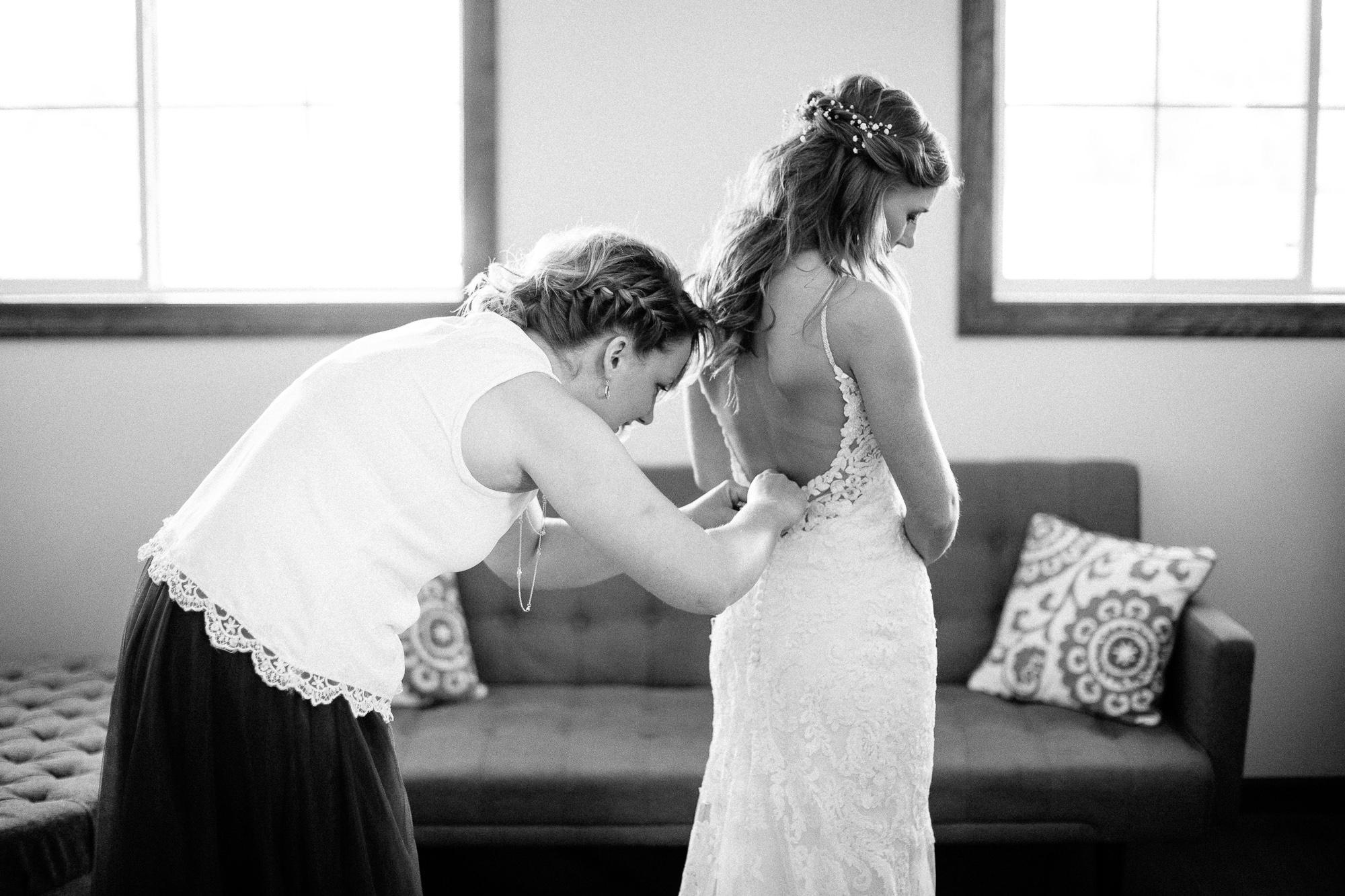 wedding-elopement-adventerous-romantic-timeless-south-dakota-blue-haven-barn-011.jpg