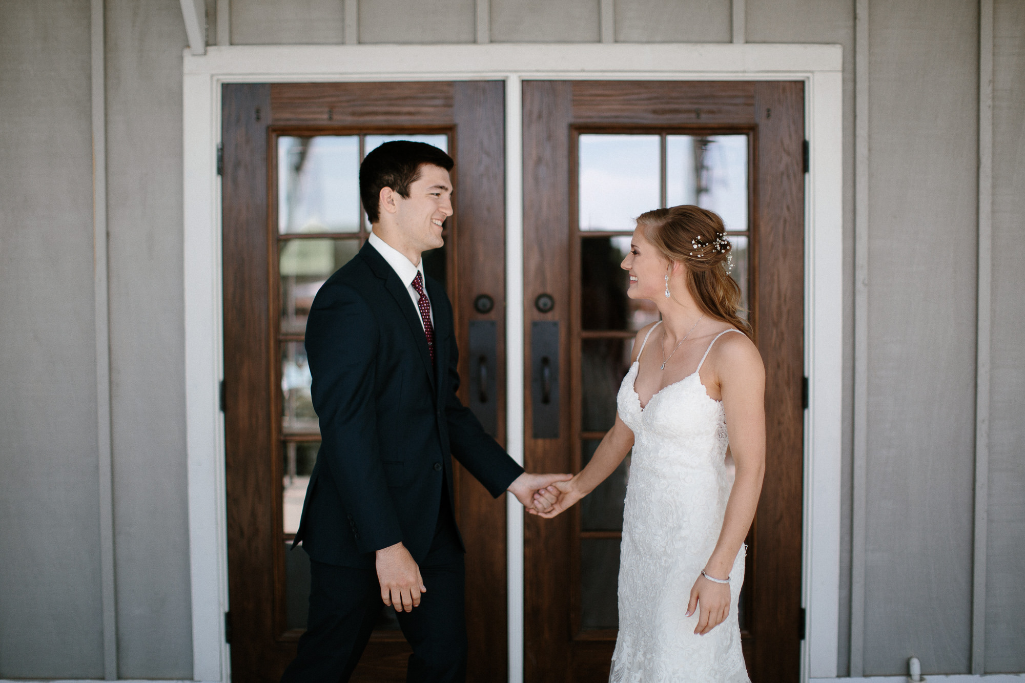 wedding-elopement-adventerous-romantic-timeless-south-dakota-blue-haven-barn-020.jpg