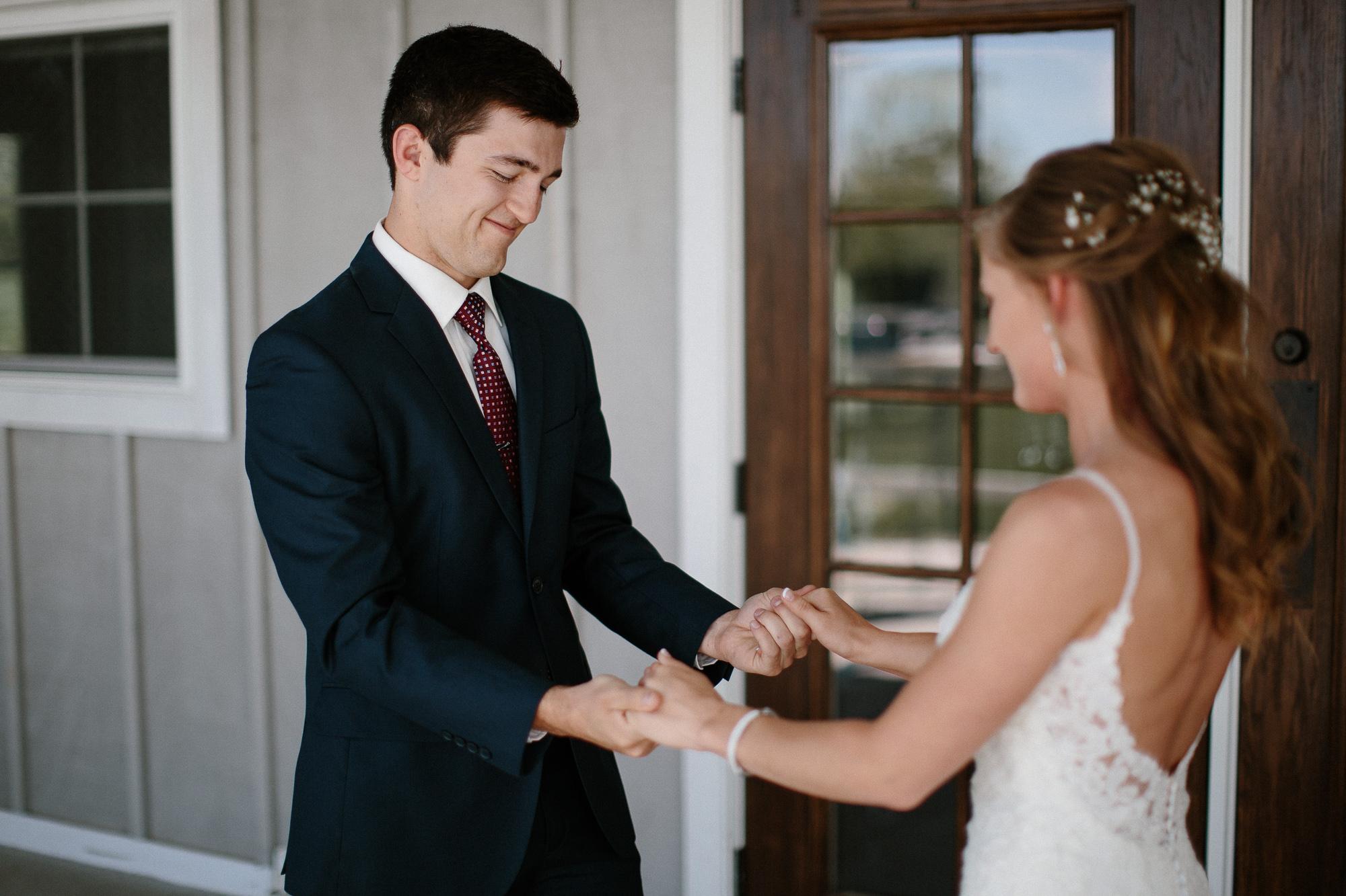 wedding-elopement-adventerous-romantic-timeless-south-dakota-blue-haven-barn-022.jpg