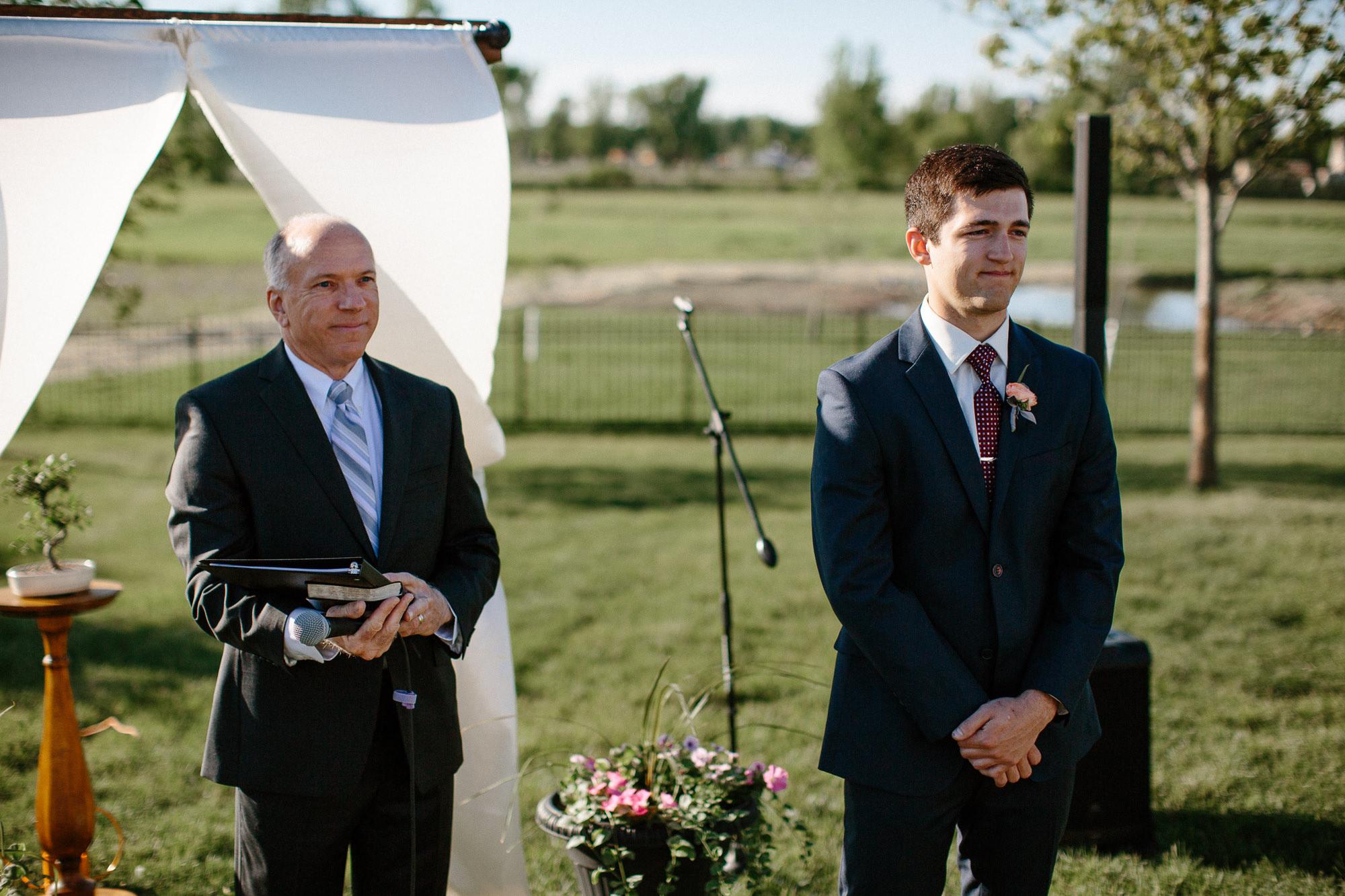 wedding-elopement-adventerous-romantic-timeless-south-dakota-blue-haven-barn-036.jpg