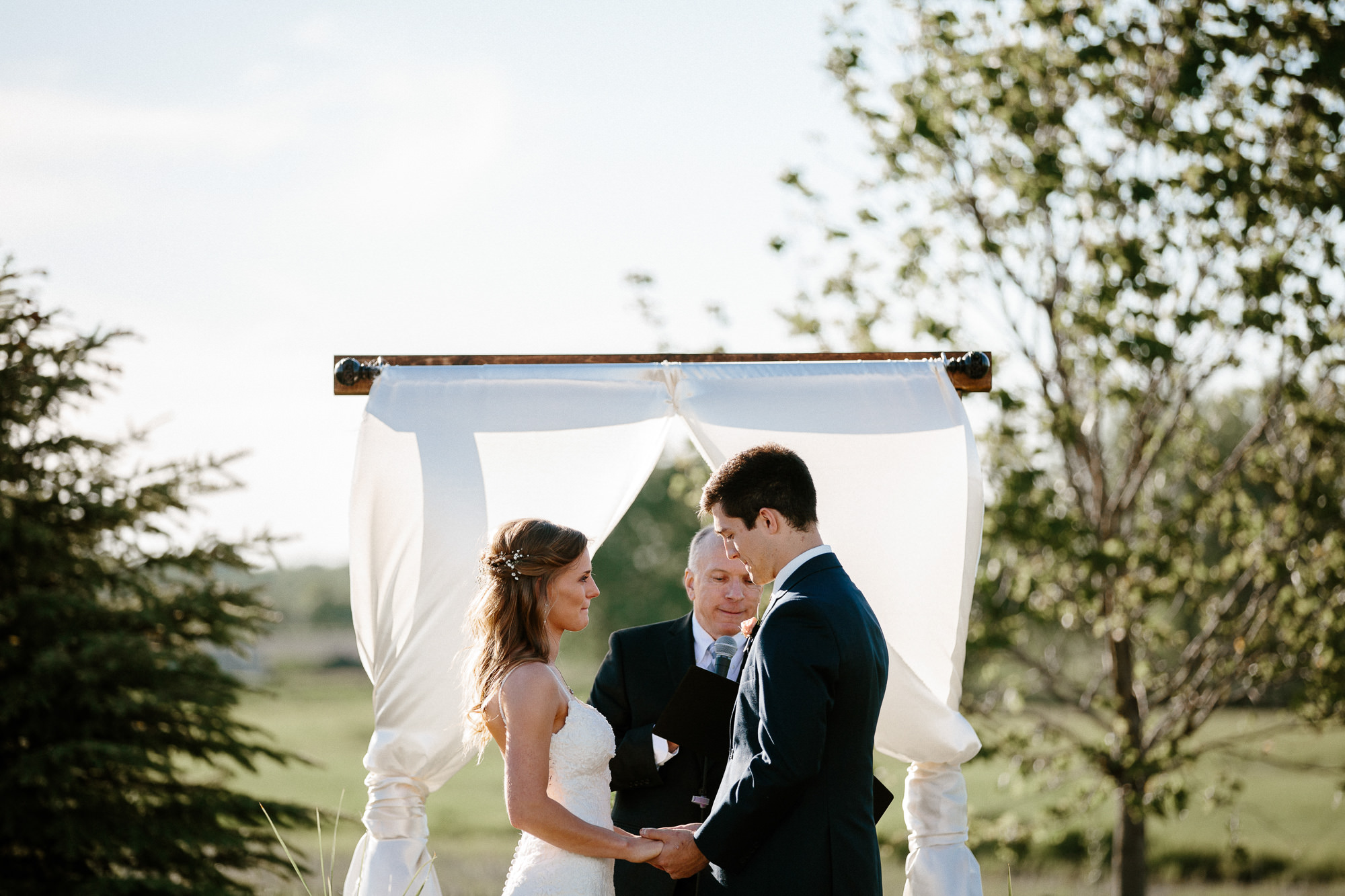 wedding-elopement-adventerous-romantic-timeless-south-dakota-blue-haven-barn-044.jpg