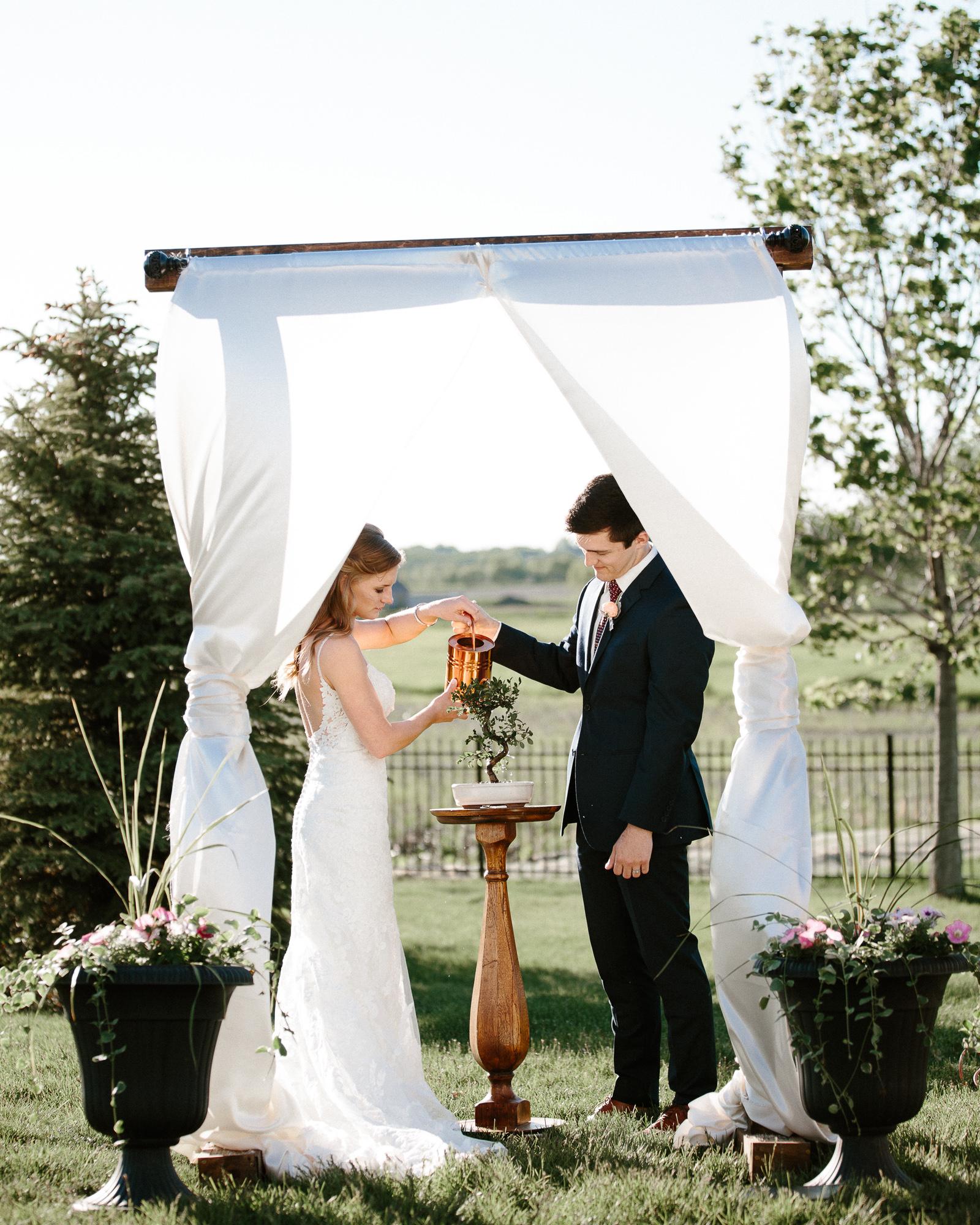 wedding-elopement-adventerous-romantic-timeless-south-dakota-blue-haven-barn-049.jpg