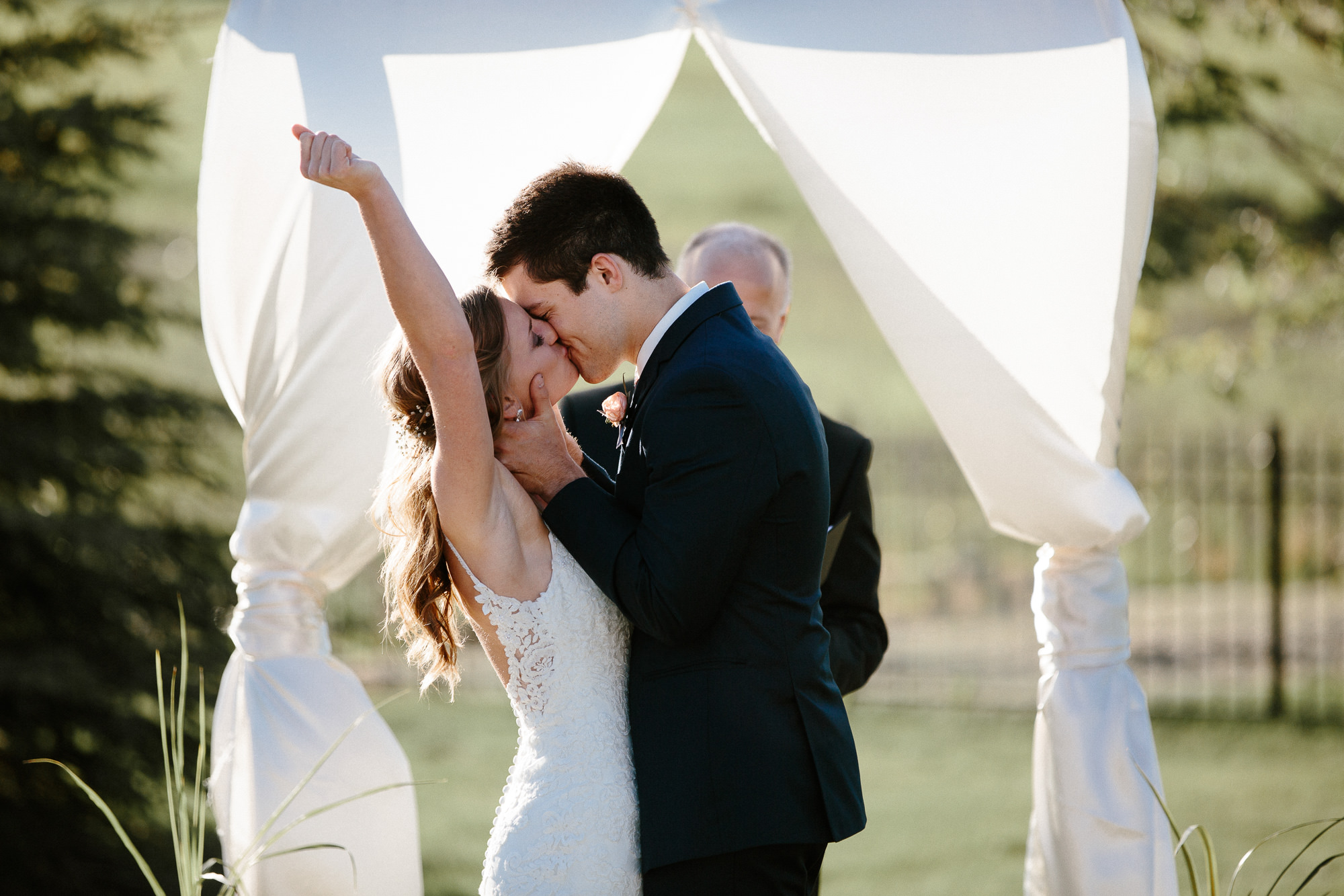 wedding-elopement-adventerous-romantic-timeless-south-dakota-blue-haven-barn-054.jpg