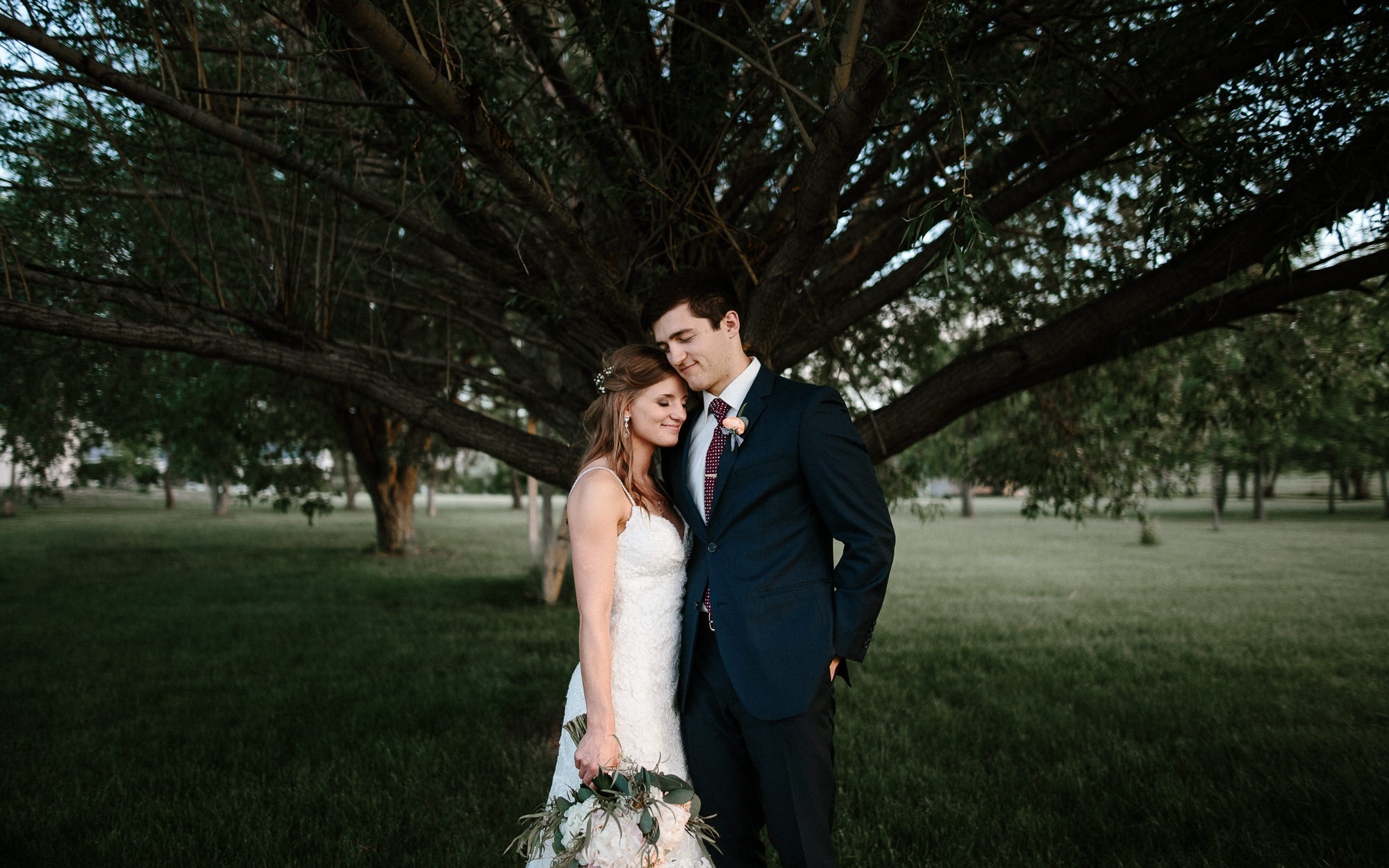 wedding-elopement-adventerous-romantic-timeless-south-dakota-blue-haven-barn-085.jpg