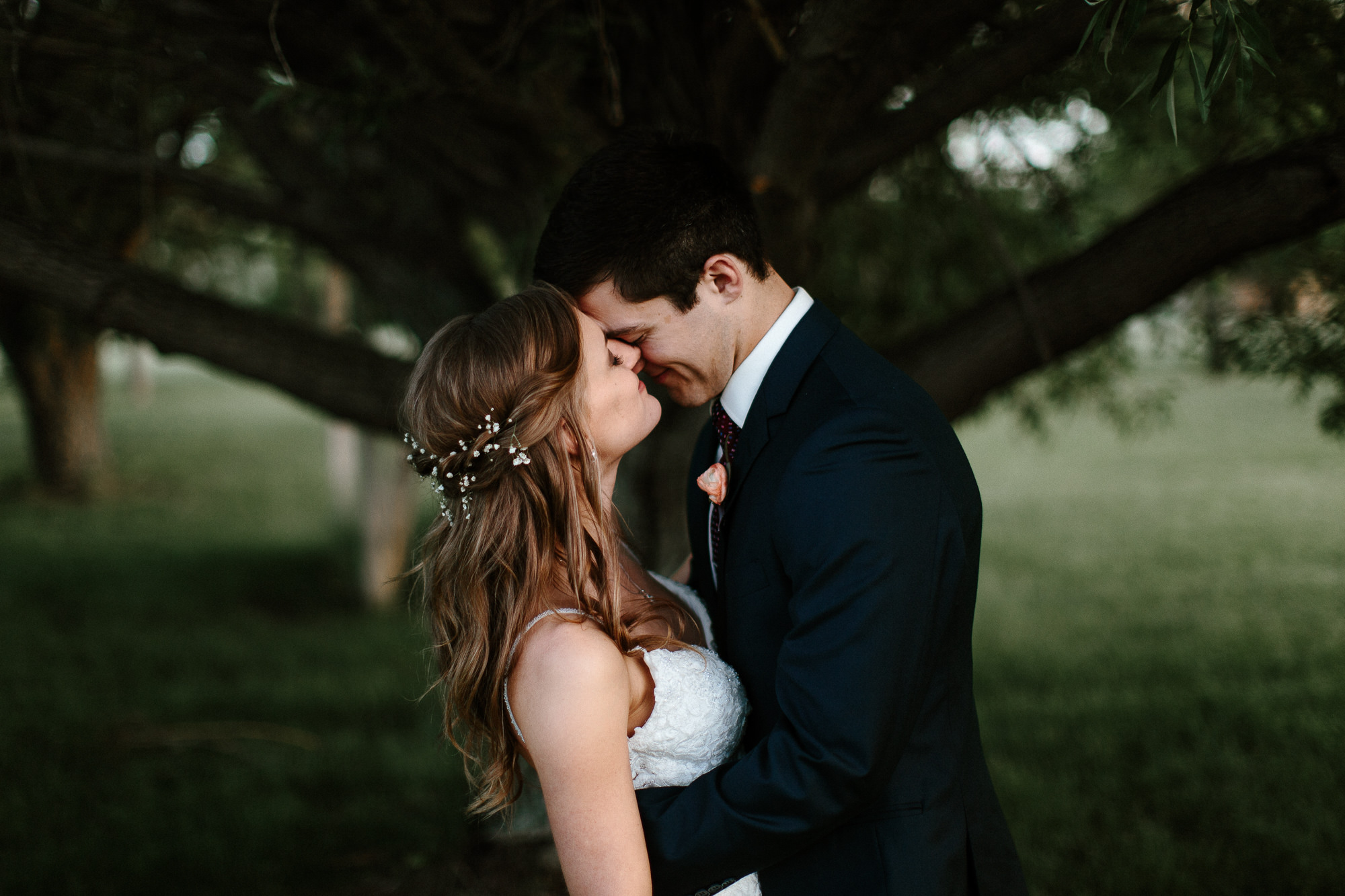 wedding-elopement-adventerous-romantic-timeless-south-dakota-blue-haven-barn-086.jpg