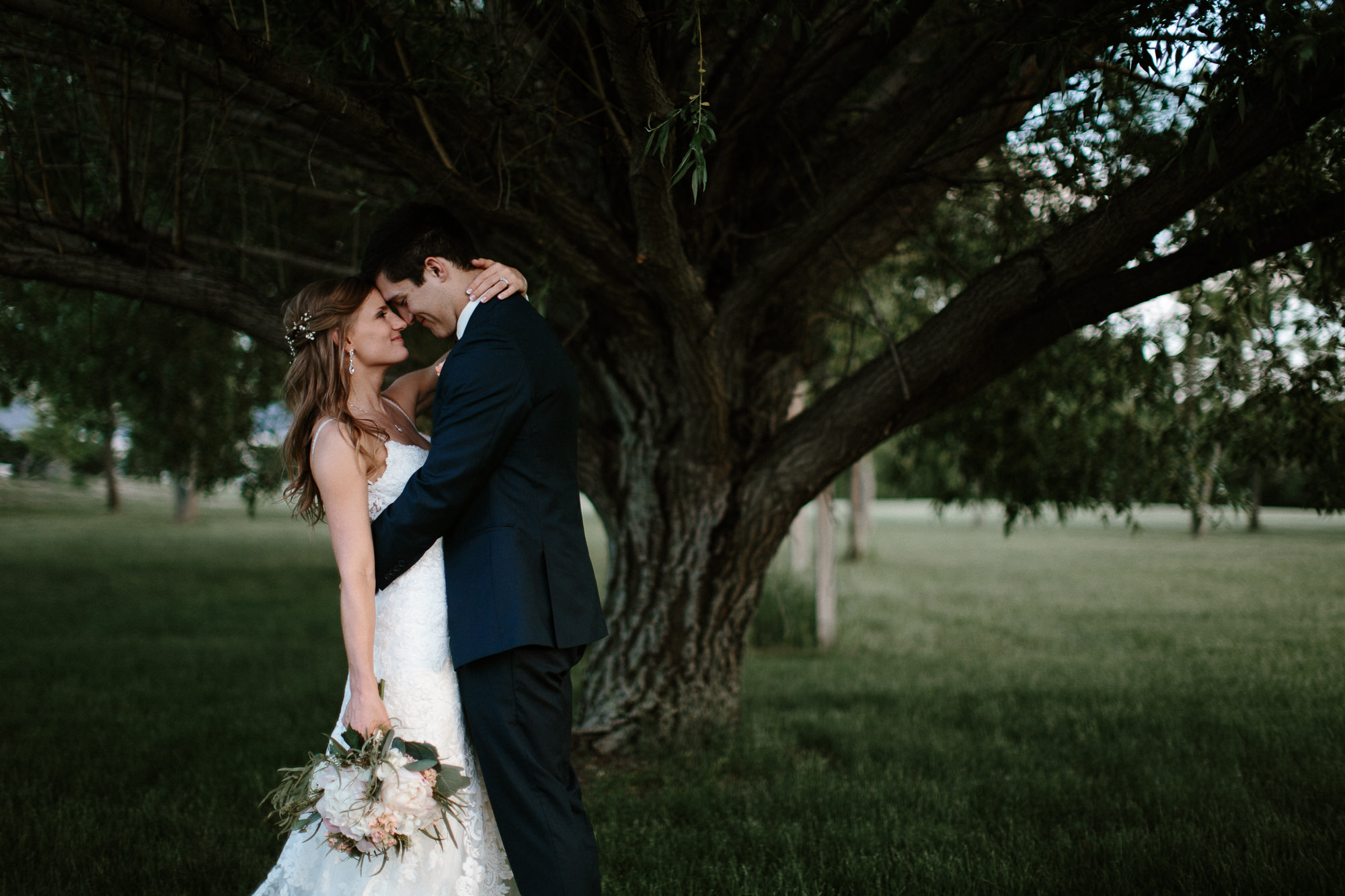 wedding-elopement-adventerous-romantic-timeless-south-dakota-blue-haven-barn-088.jpg