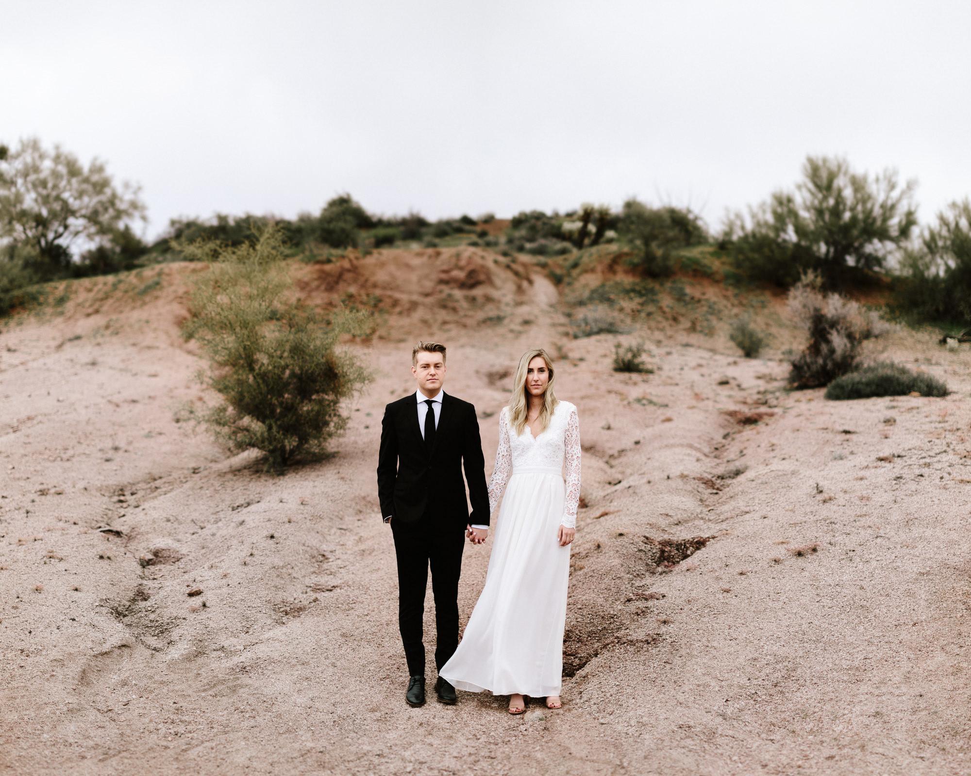 phoenix-mesa-elopement-wedding-photographer-lost-dutchman-state-park-superstitious-mountains-01.jpg