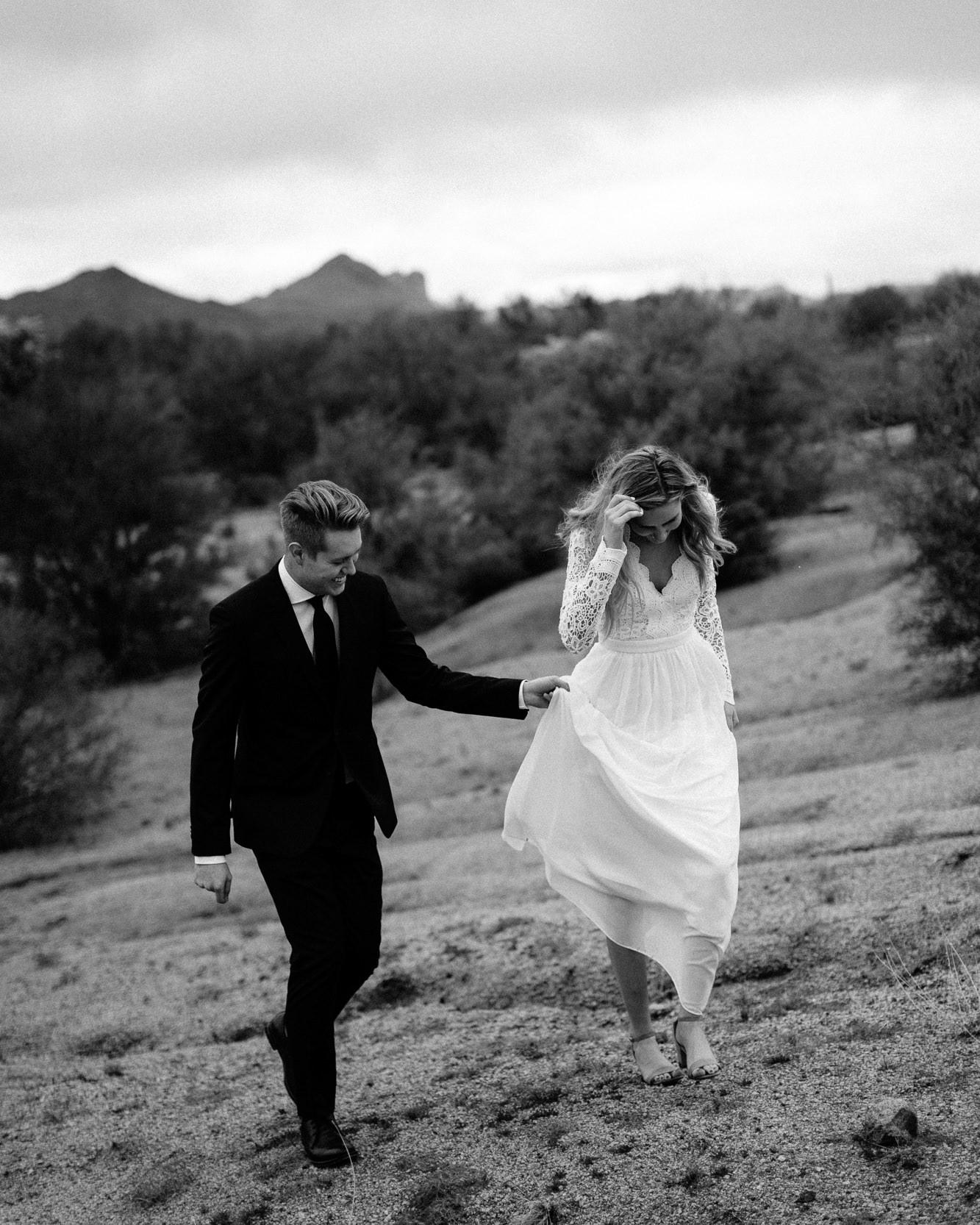 phoenix-mesa-elopement-wedding-photographer-lost-dutchman-state-park-superstitious-mountains-10.jpg