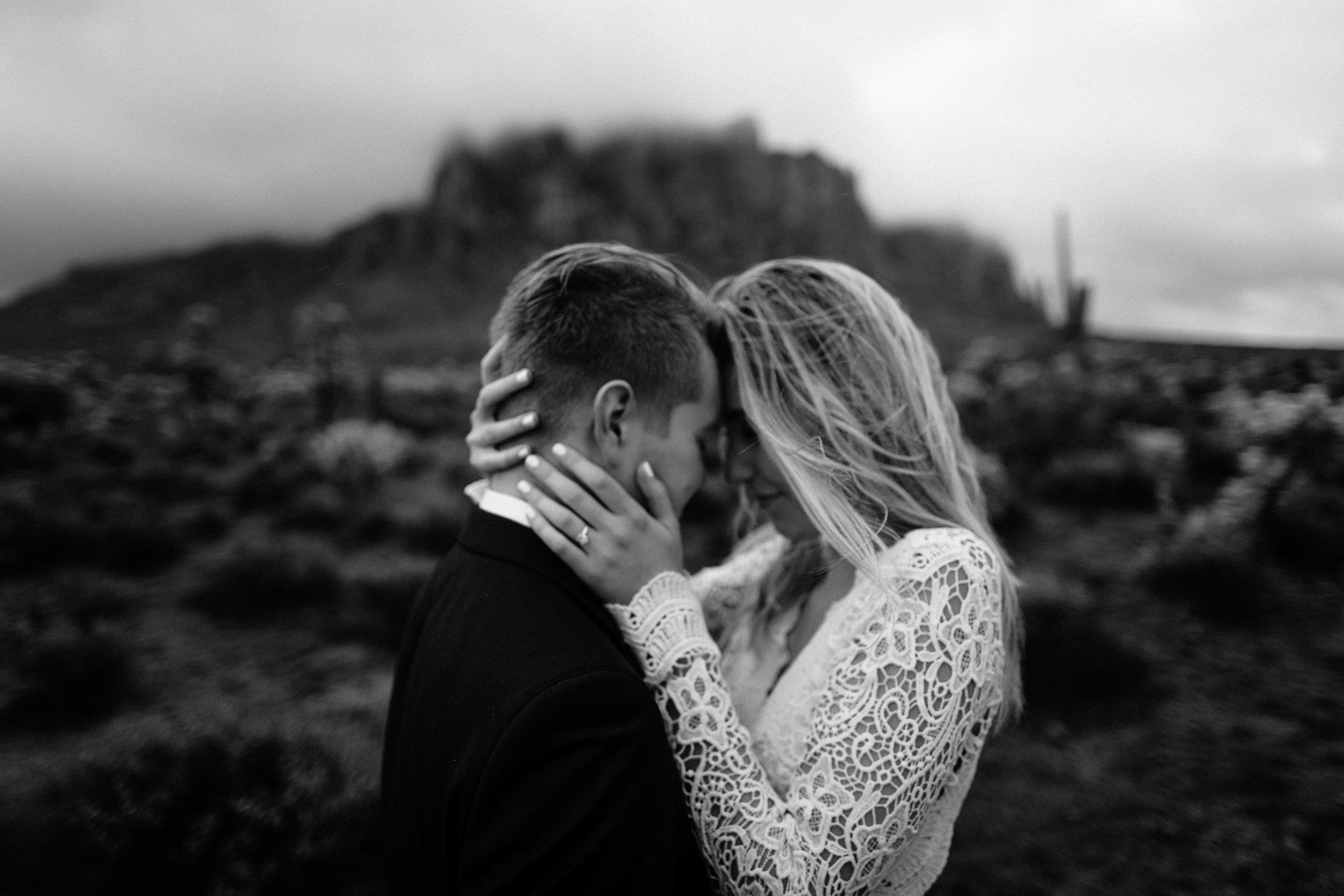 phoenix-mesa-elopement-wedding-photographer-lost-dutchman-state-park-superstitious-mountains-24.jpg