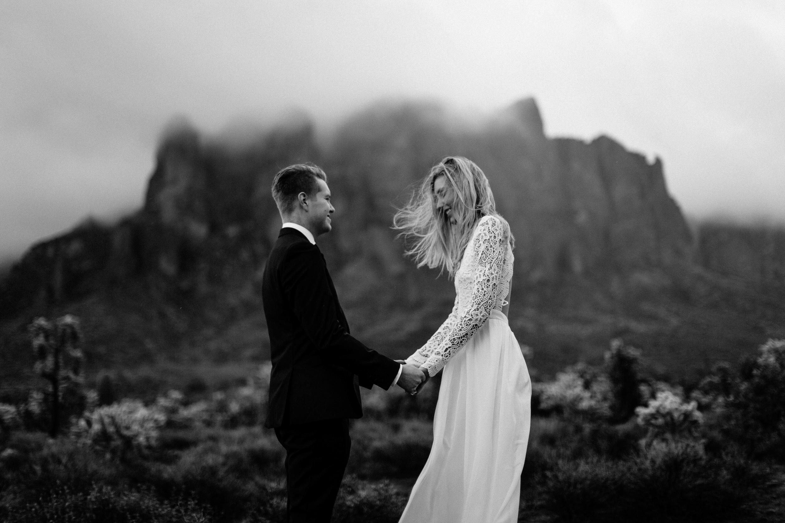 phoenix-mesa-elopement-wedding-photographer-lost-dutchman-state-park-superstitious-mountains-27.jpg