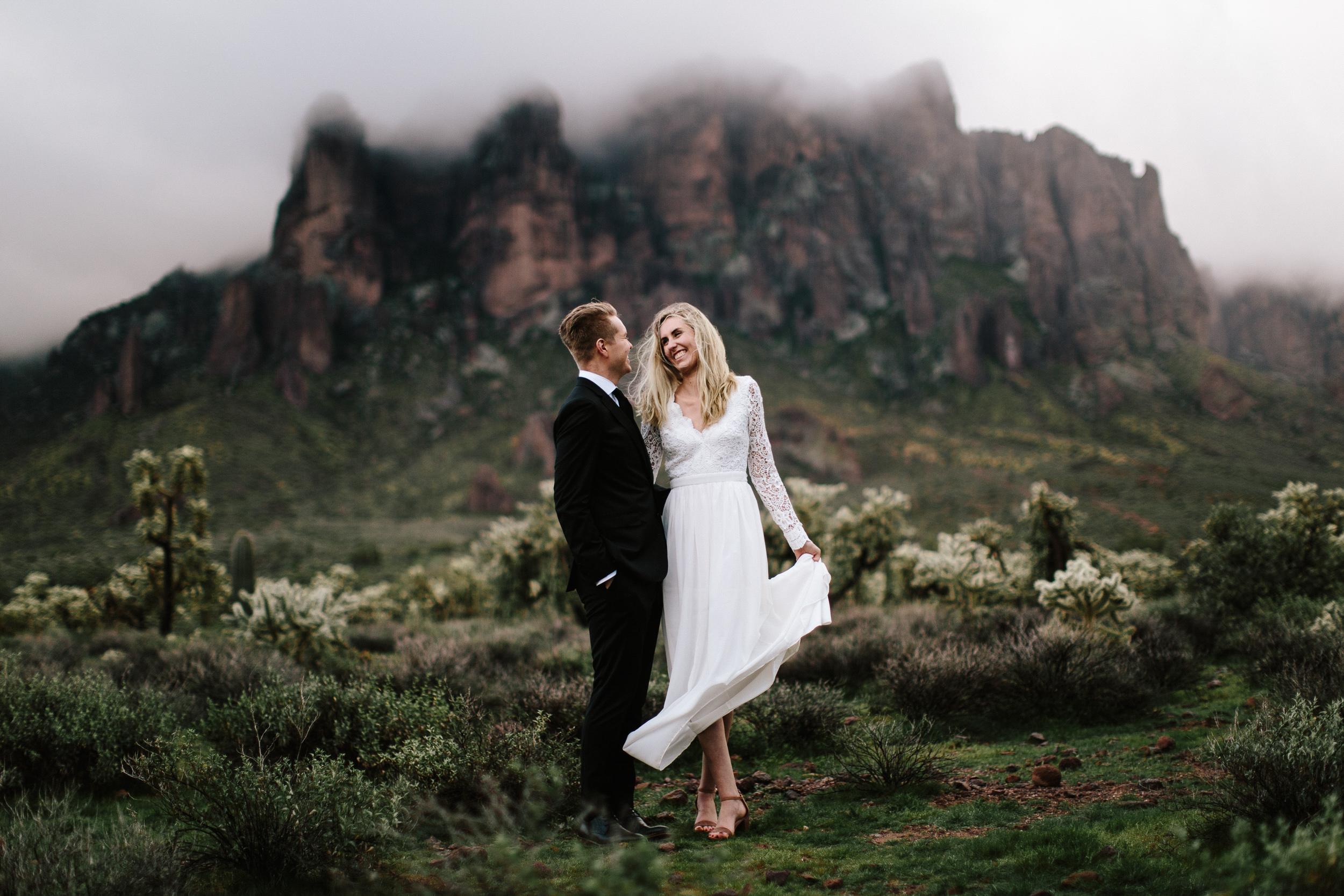 phoenix-mesa-elopement-wedding-photographer-lost-dutchman-state-park-superstitious-mountains-28.jpg