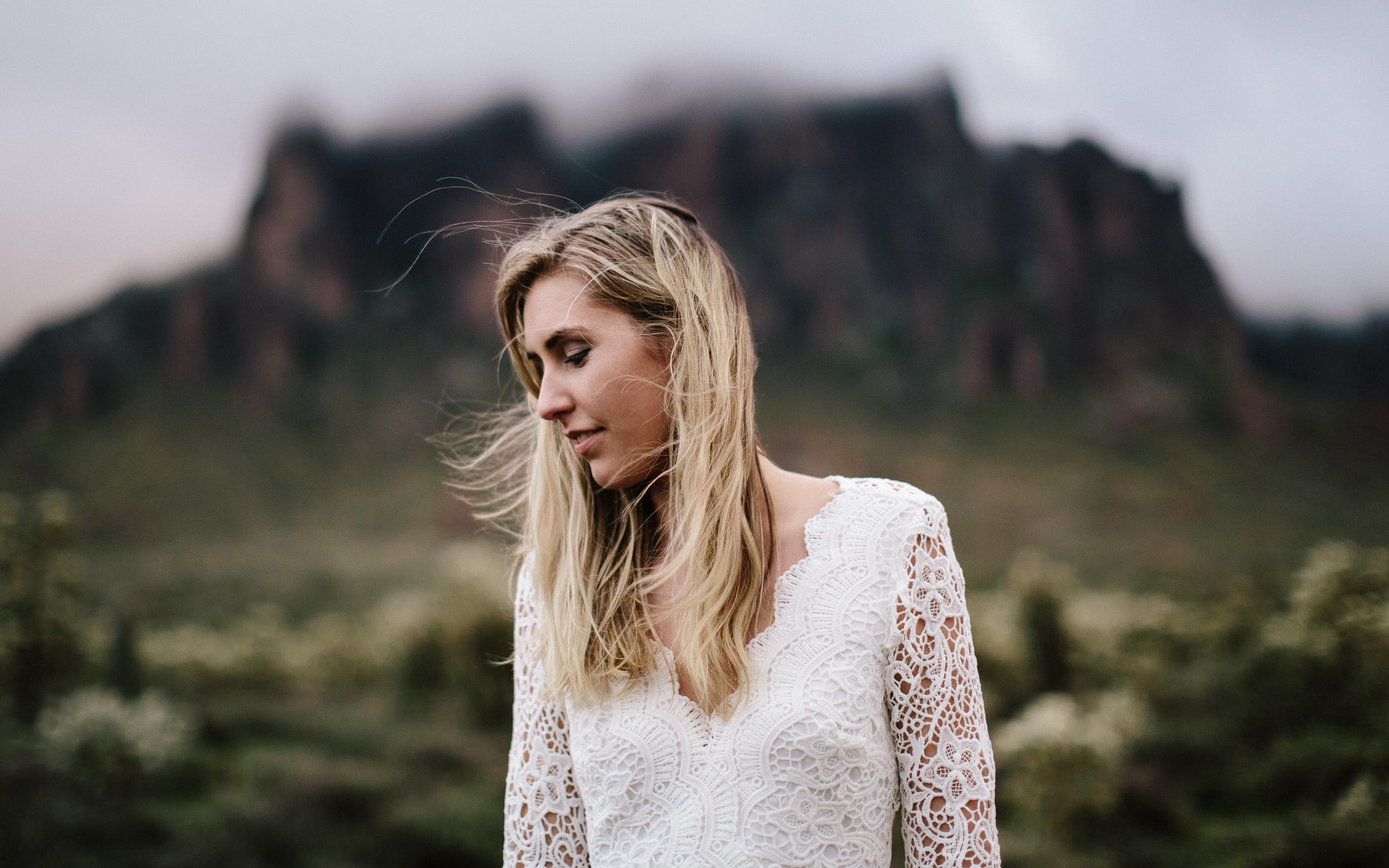 phoenix-mesa-elopement-wedding-photographer-lost-dutchman-state-park-superstitious-mountains-35.jpg