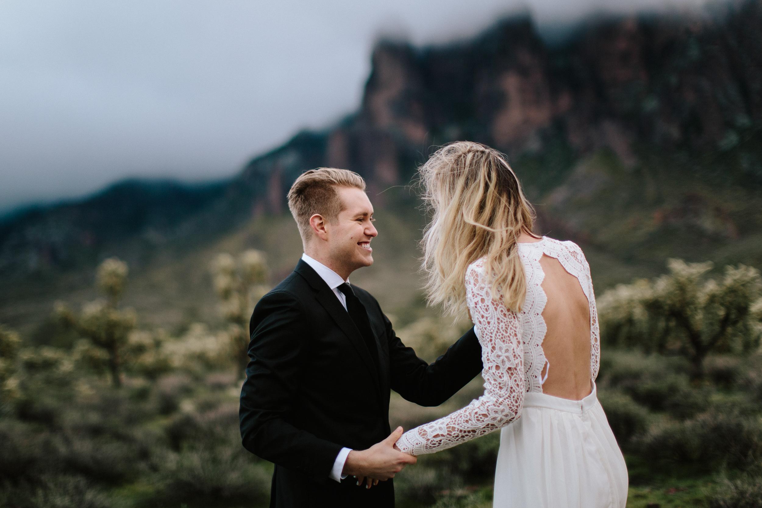 phoenix-mesa-elopement-wedding-photographer-lost-dutchman-state-park-superstitious-mountains-43.jpg