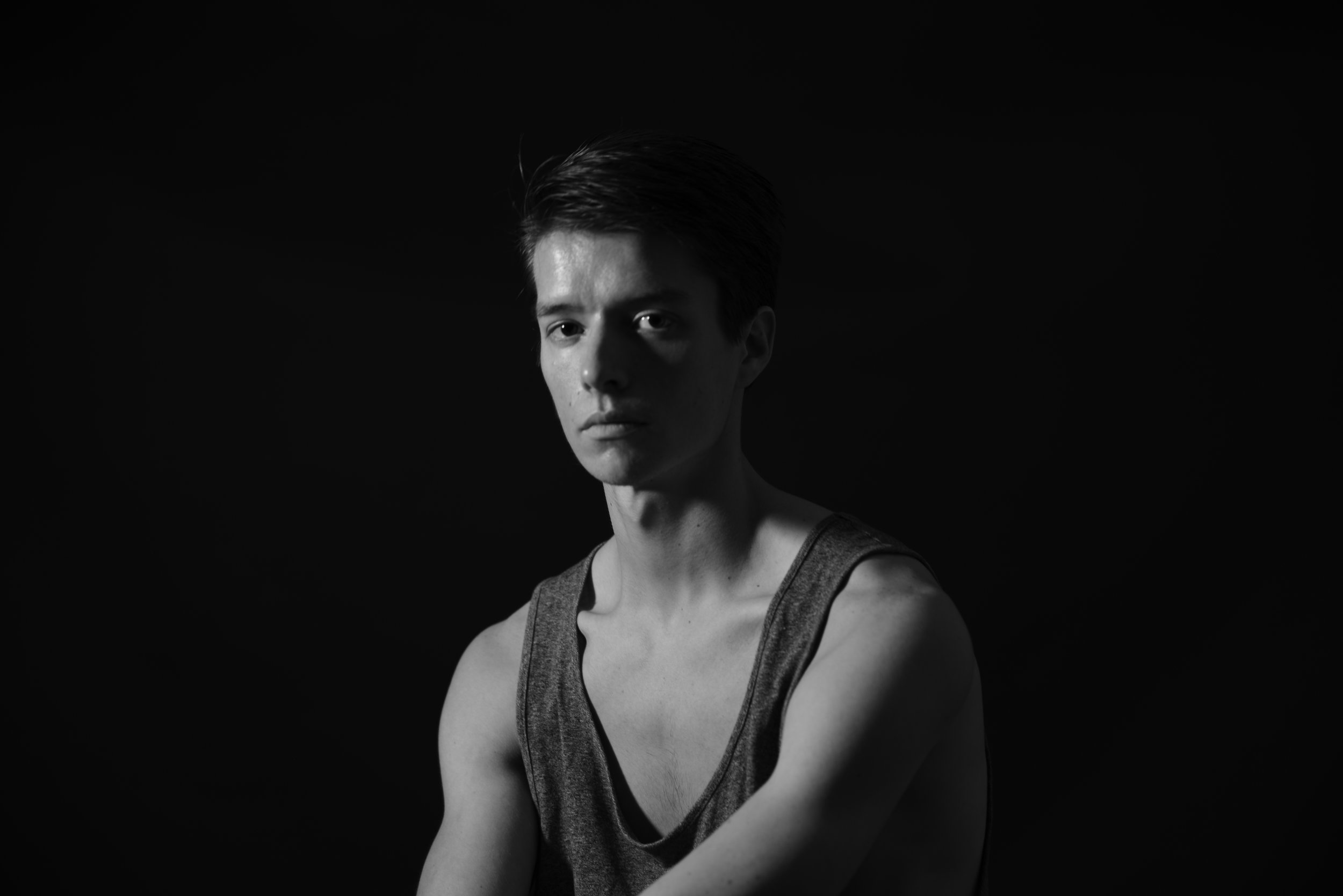 Zac Bigbee   Zac Bigbee was born and raised in New Mexico. A series of coincidences influenced him to take his first ballet class as a senior in high school. He went on to study Russian language and Mathematics at the University of Arizona, while training in dance domestically and abroad. He is returning for his second season with cocodaco.