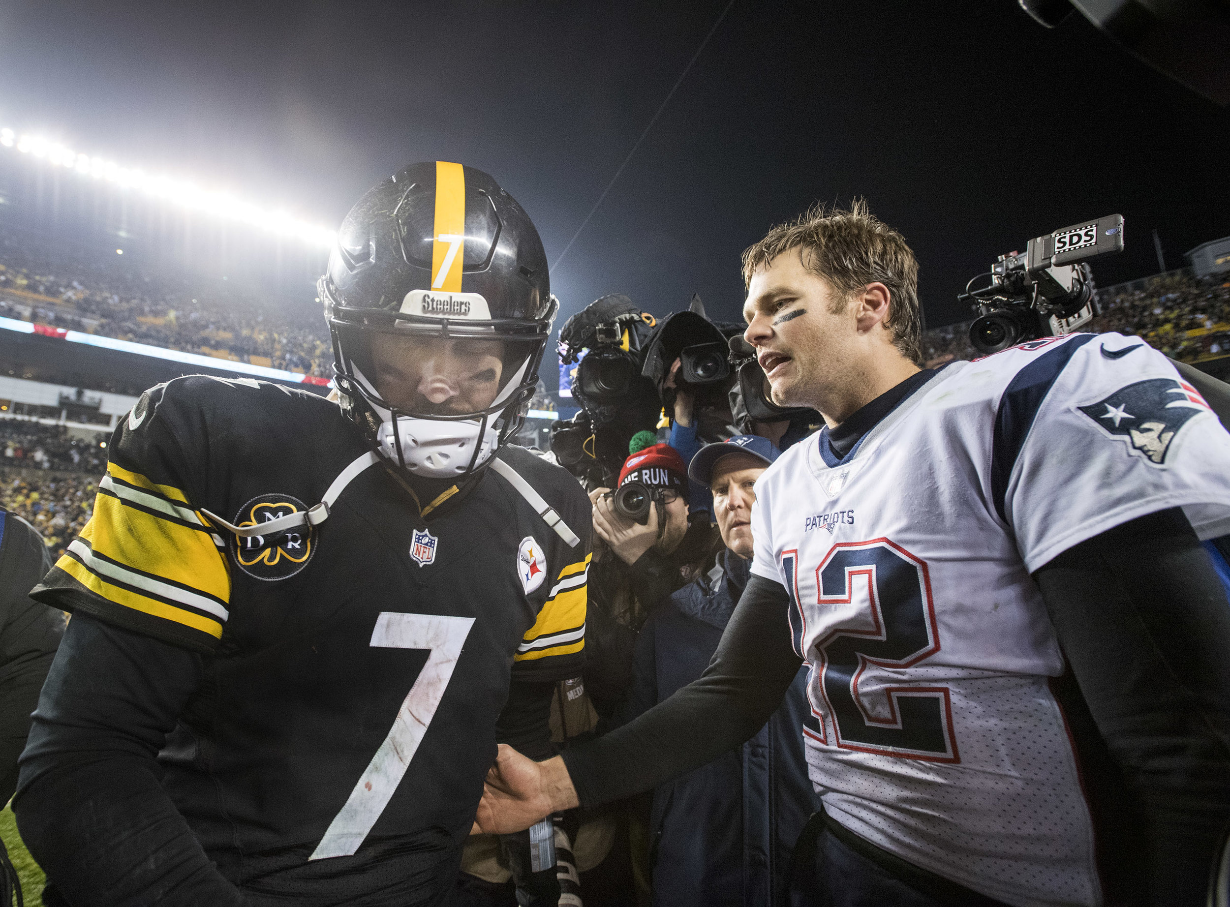 Pittsburgh Steelers quarterback Ben Roethlisberger walks away dejected after congratulating New England Patriots quarterback Tom Brady on Sunday, Dec. 17, 2017 at Heinz Field in Pittsburgh. (Steph Chambers/Post-Gazette)
