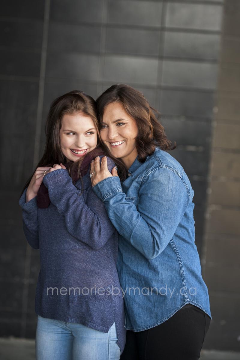 Saskatoon family photographers (4).jpg