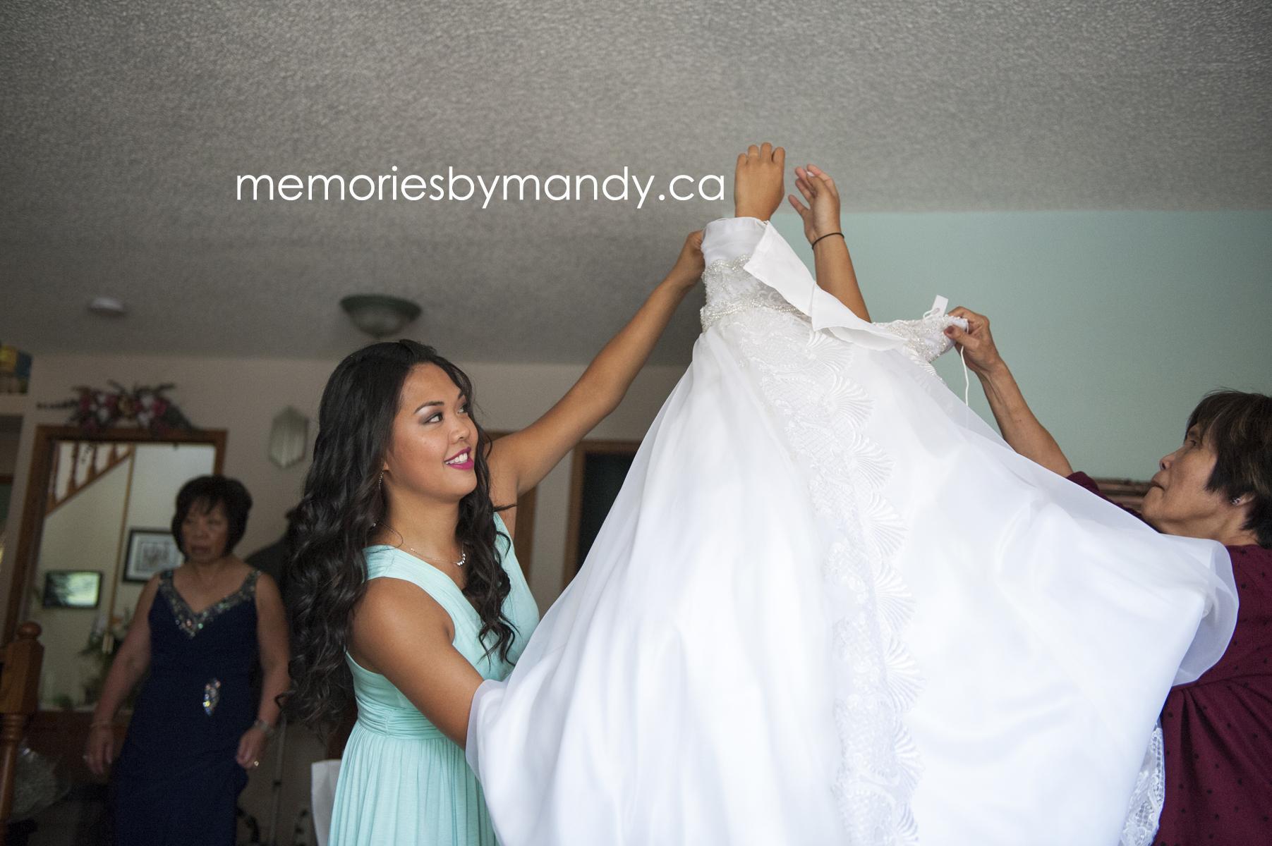 Saskatoon wedding photographer (18).jpg