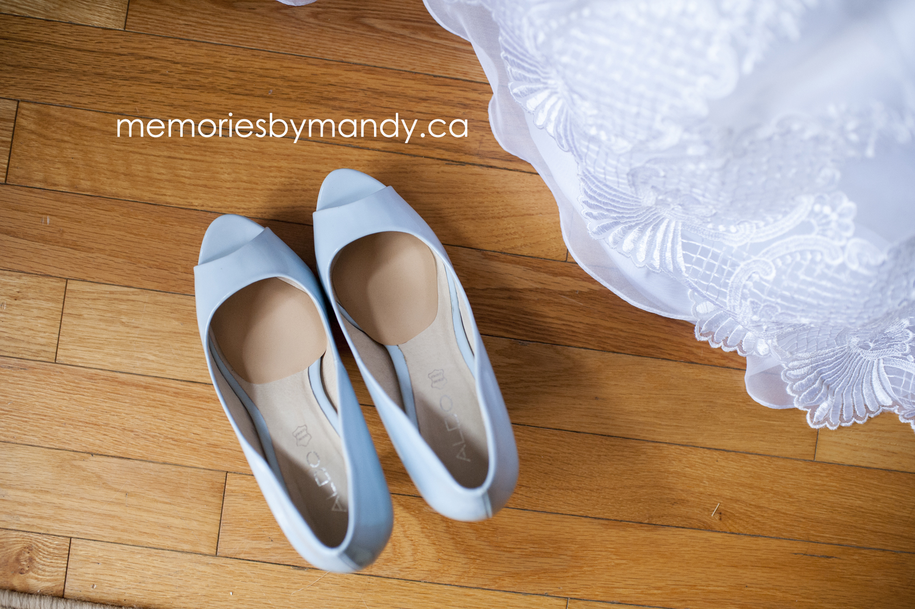 Saskatoon wedding photographer (17).jpg