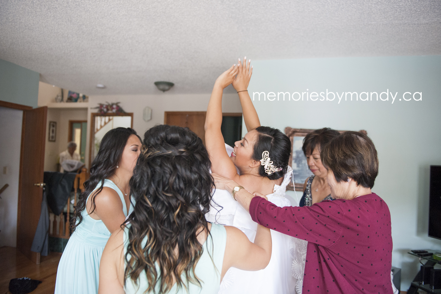 Saskatoon wedding photographer (19).jpg