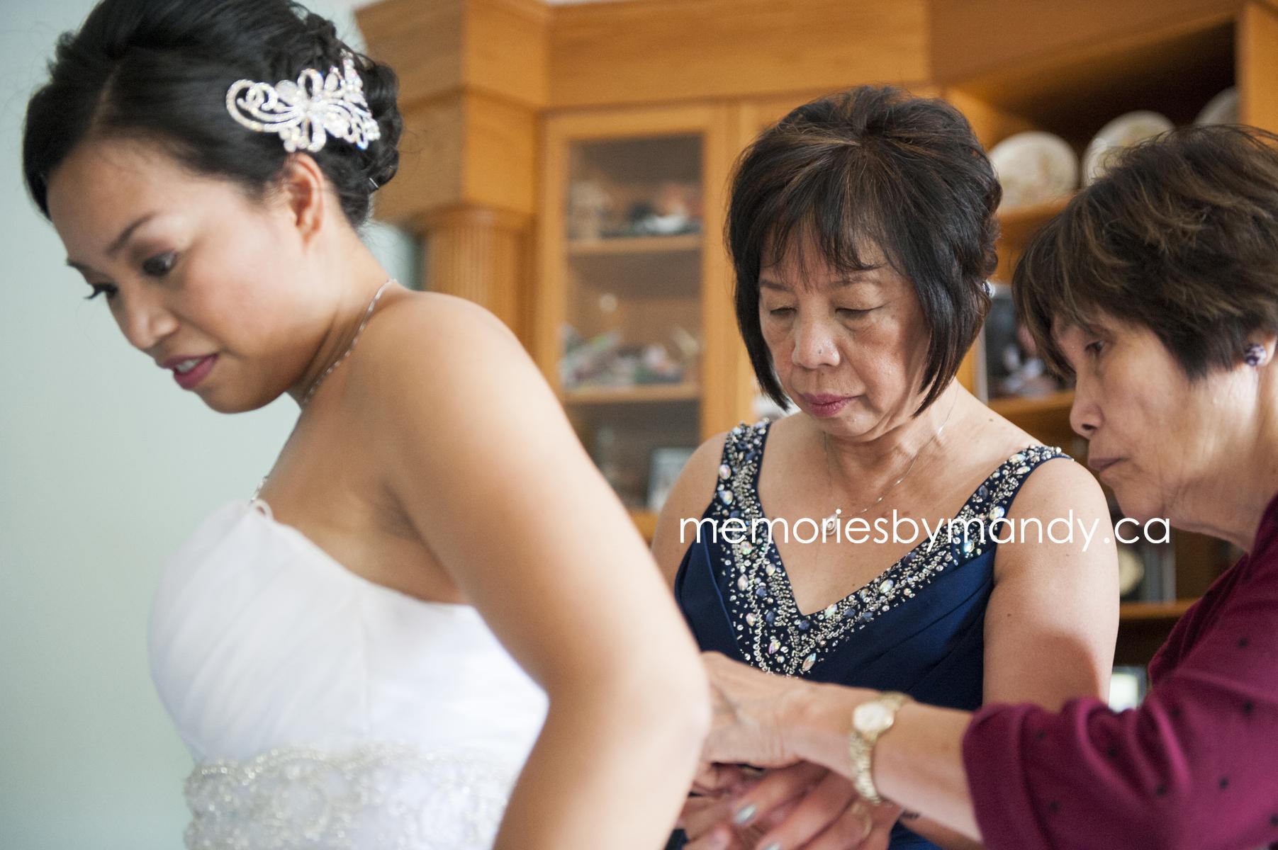 Saskatoon wedding photographer (20).jpg