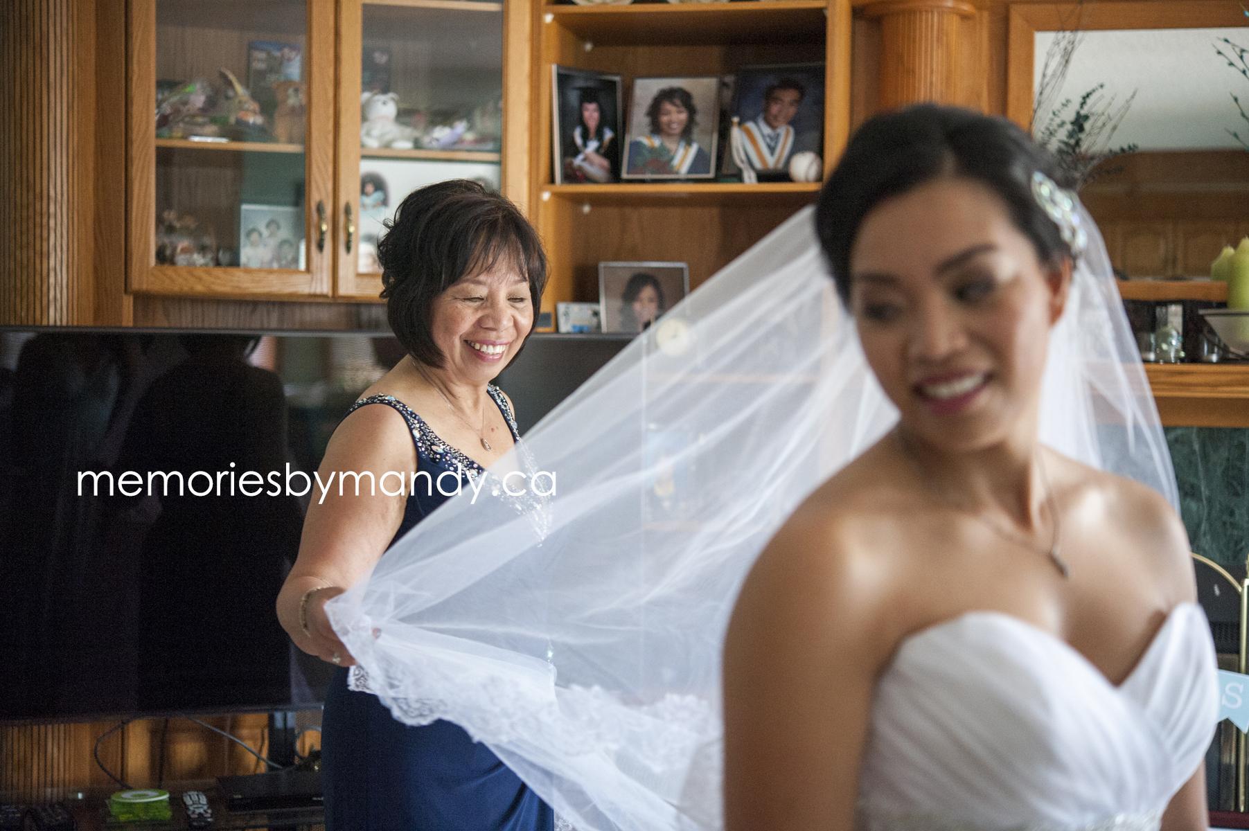 Saskatoon wedding photographer (23).jpg