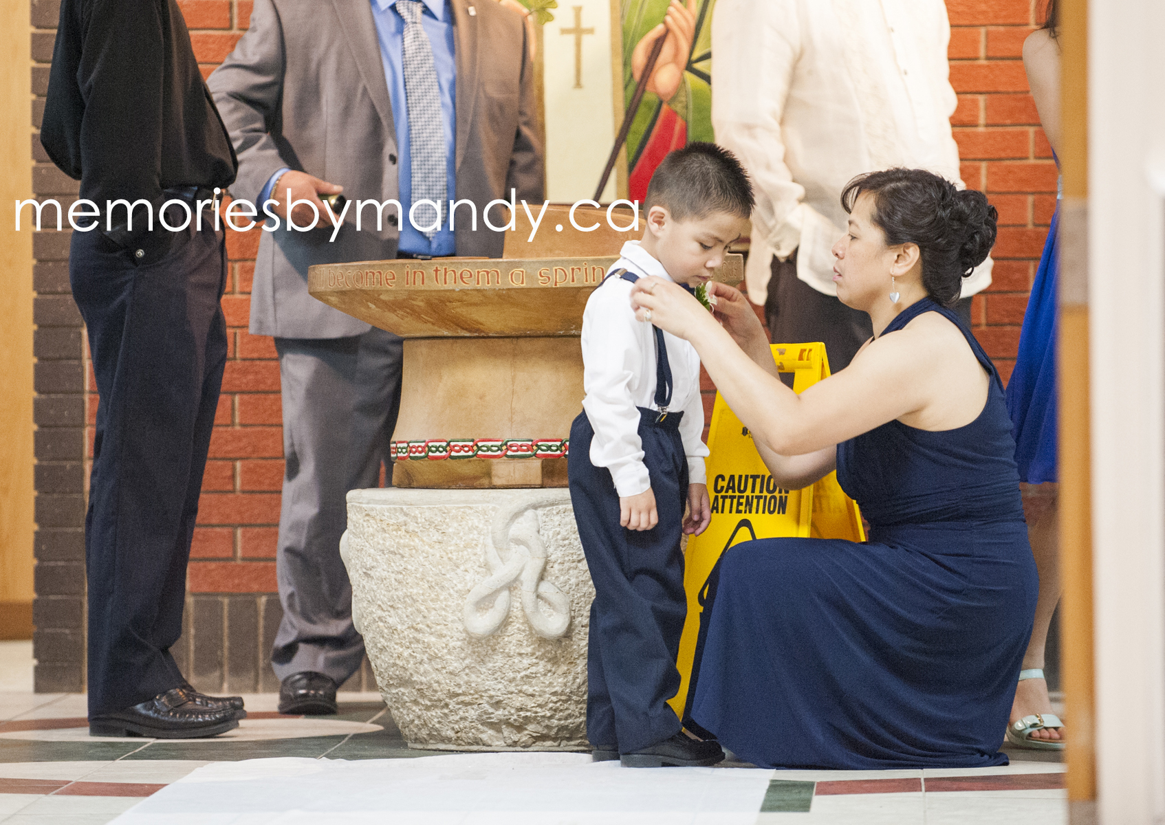 Saskatoon wedding photographer (29).jpg
