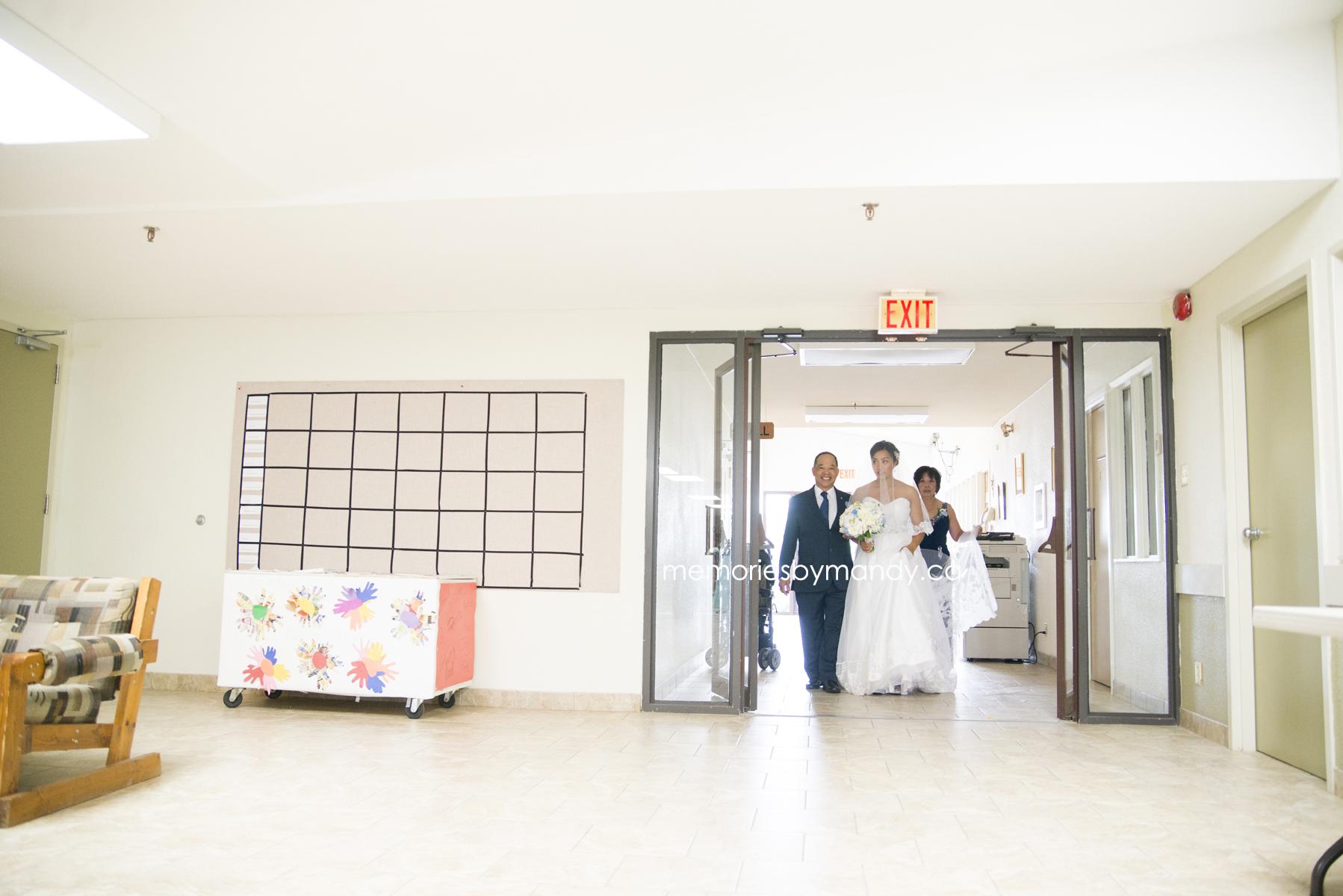 Saskatoon wedding photographer (32).jpg