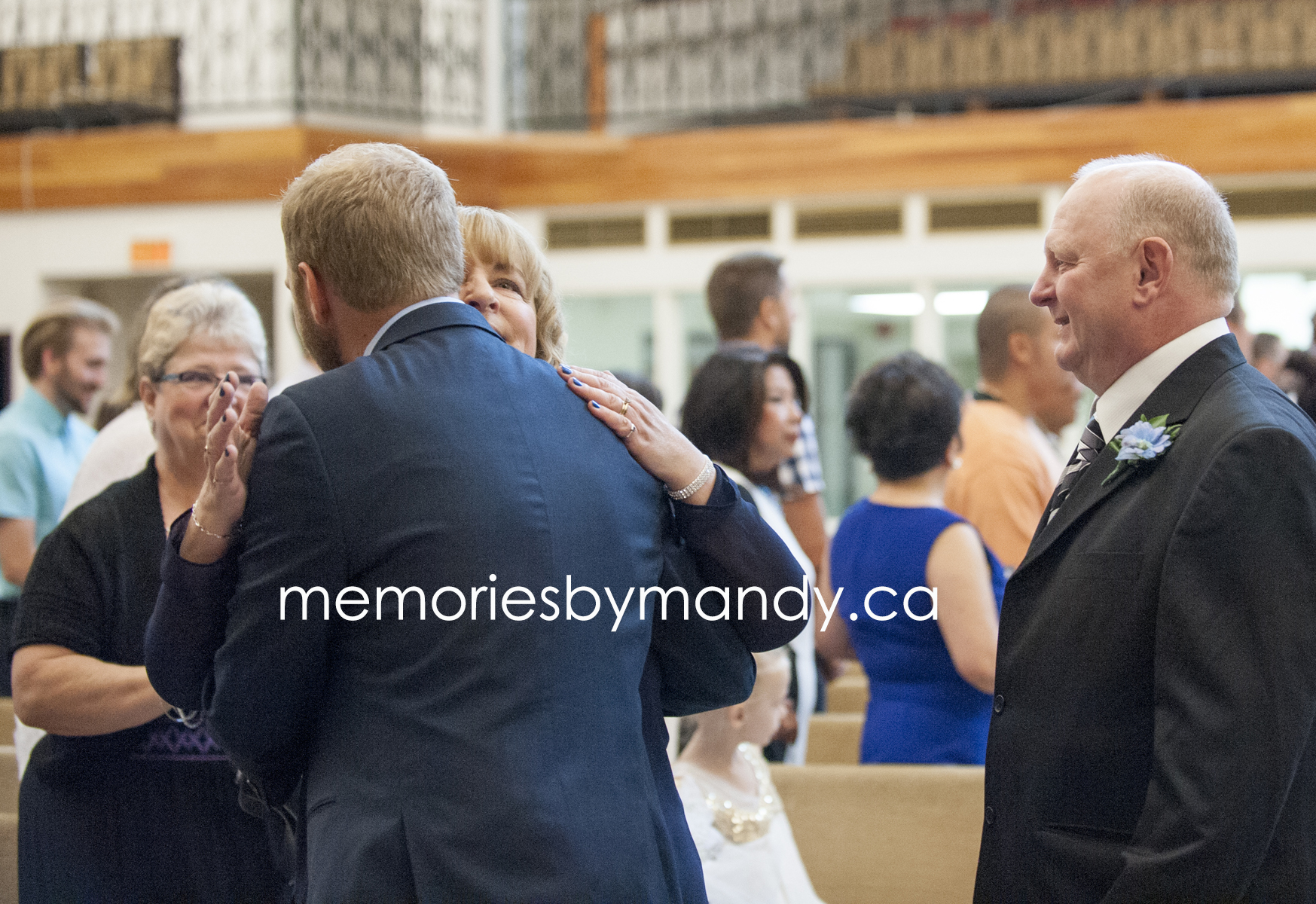 Saskatoon wedding photographer (34).jpg