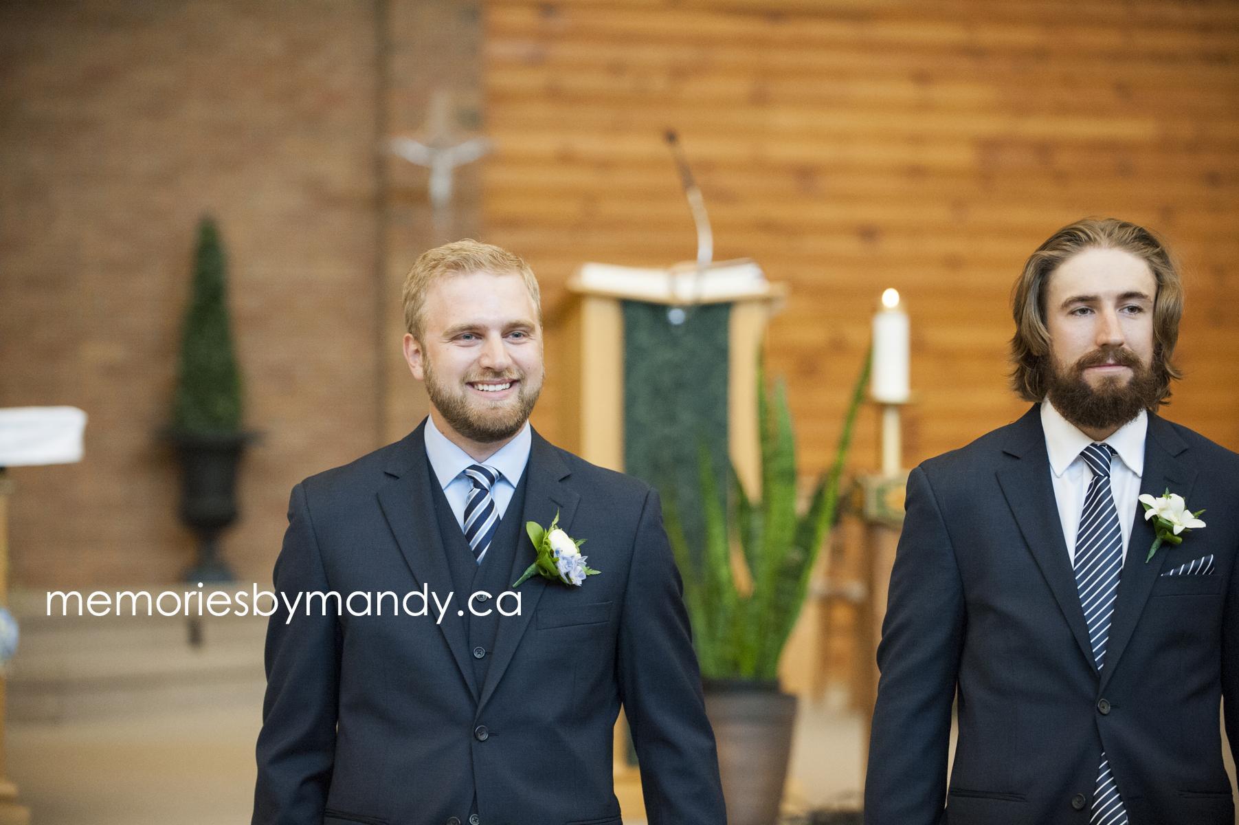 Saskatoon wedding photographer (36).jpg