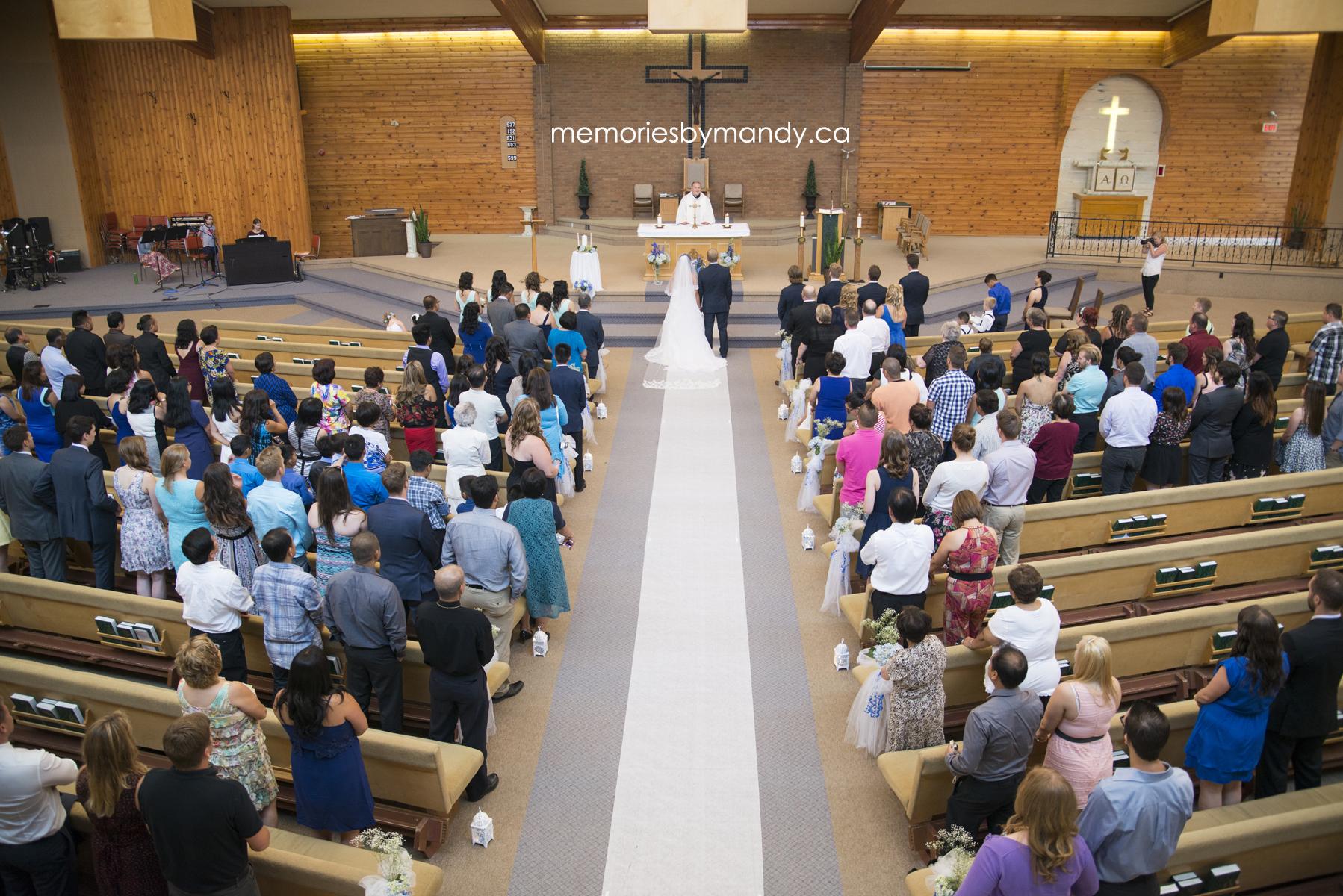 Saskatoon wedding photographer (40).jpg