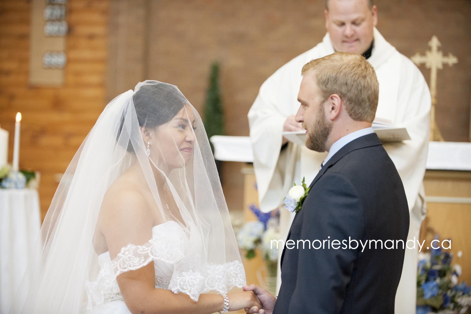 Saskatoon wedding photographer (48).jpg