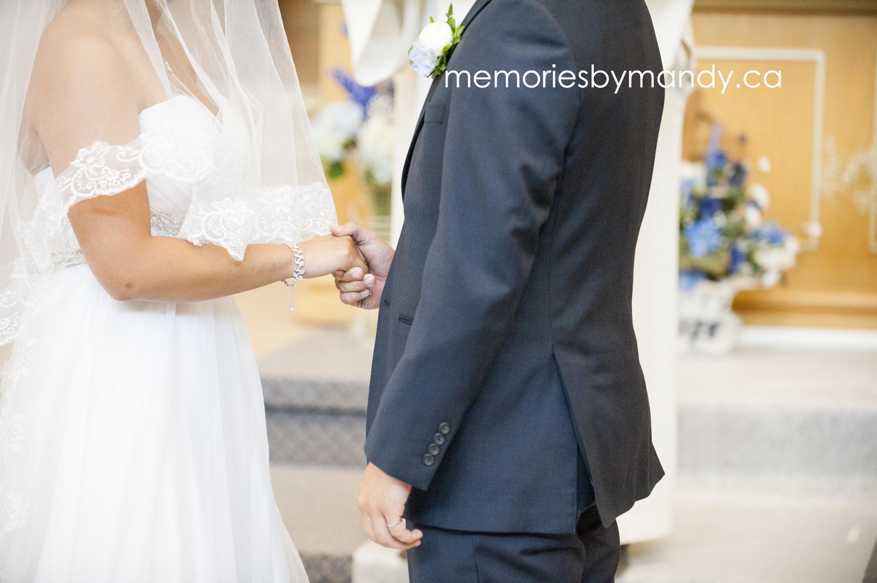 Saskatoon wedding photographer (49).jpg