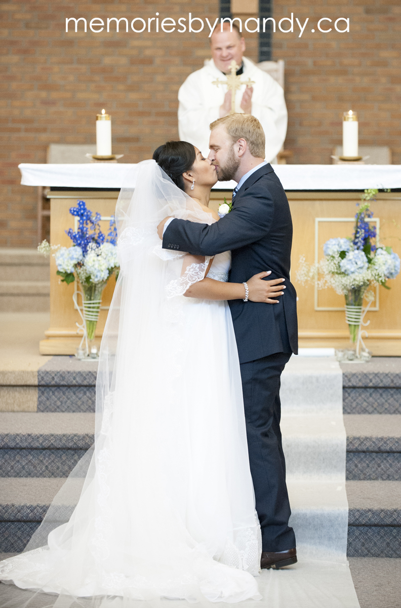 Saskatoon wedding photographer (54).jpg