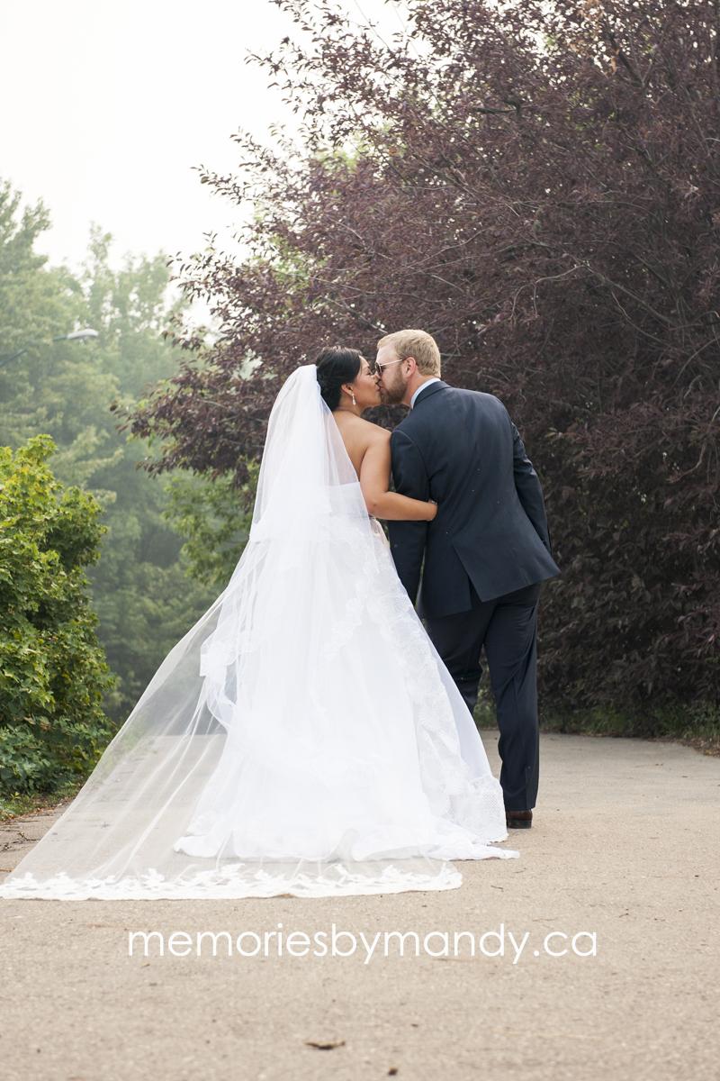 Saskatoon wedding photographer (74).jpg