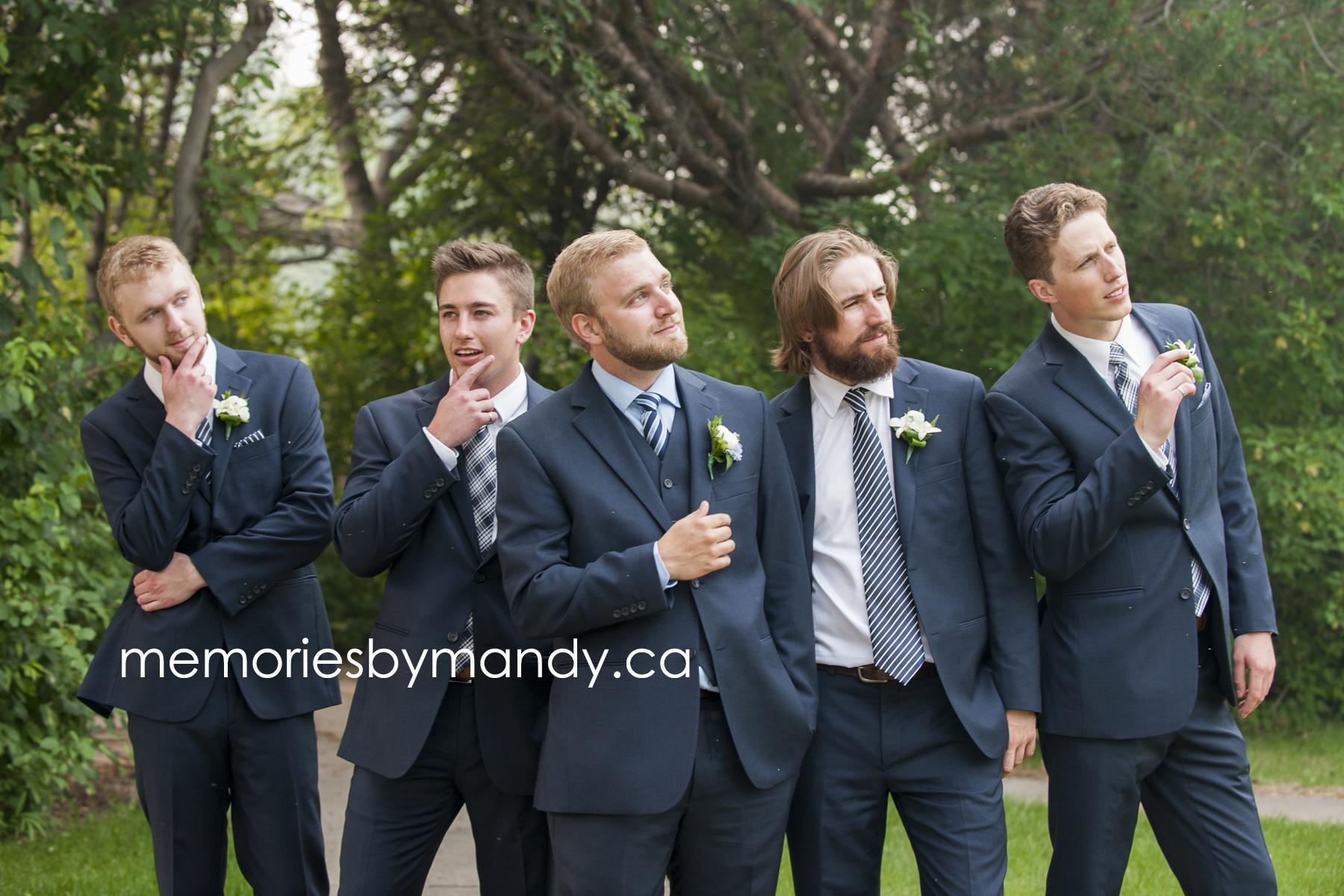Saskatoon wedding photographer (78).jpg