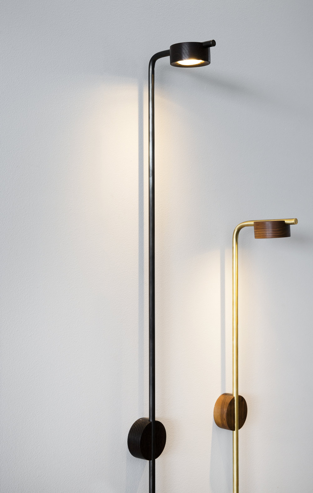 PUCK - Introducing the new PUCK collection both for wall and as a floor lamp. The Puck has a variety of usefulness of options.