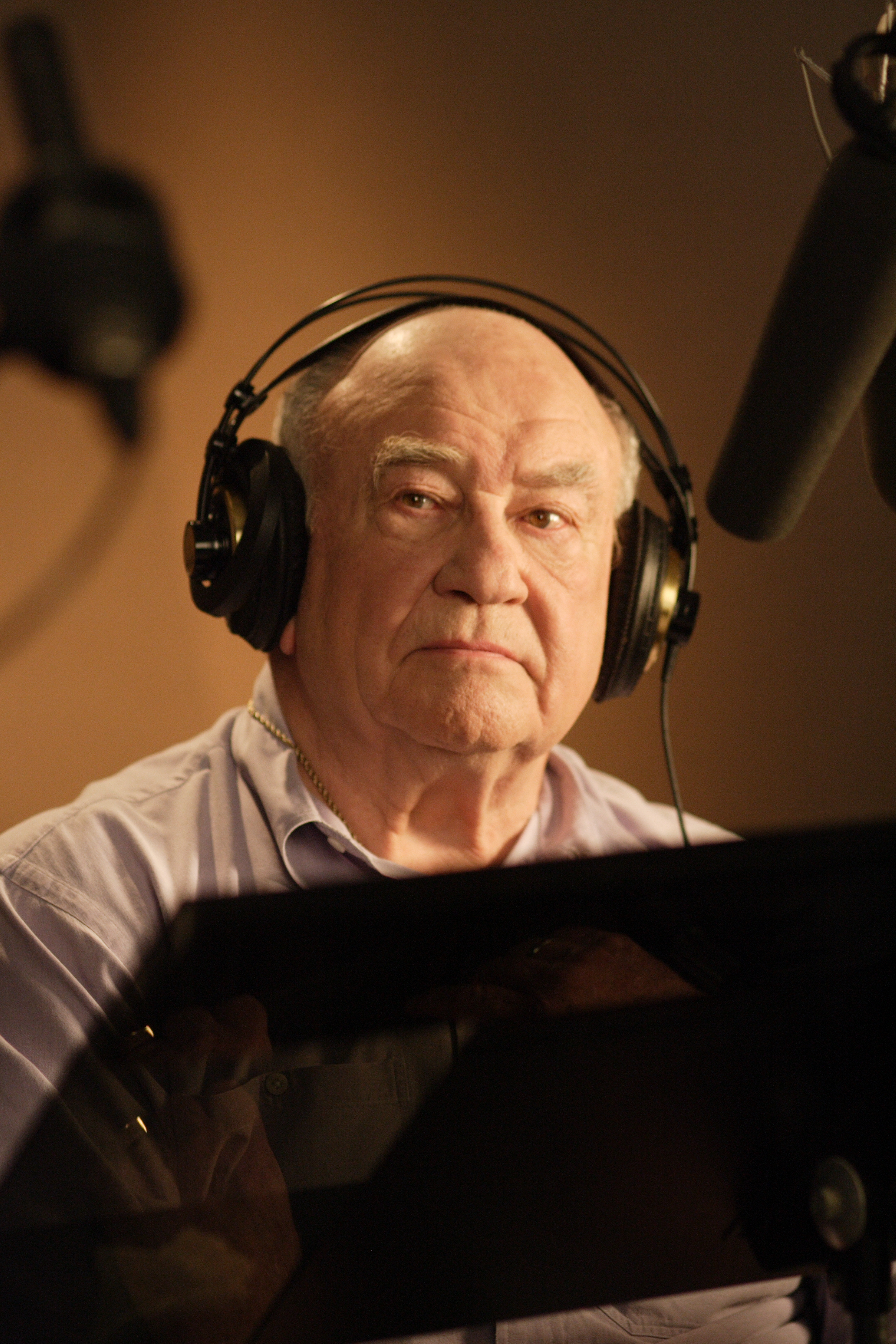 "Ed Asner prepares to get ""evil"" for his read as Krad."
