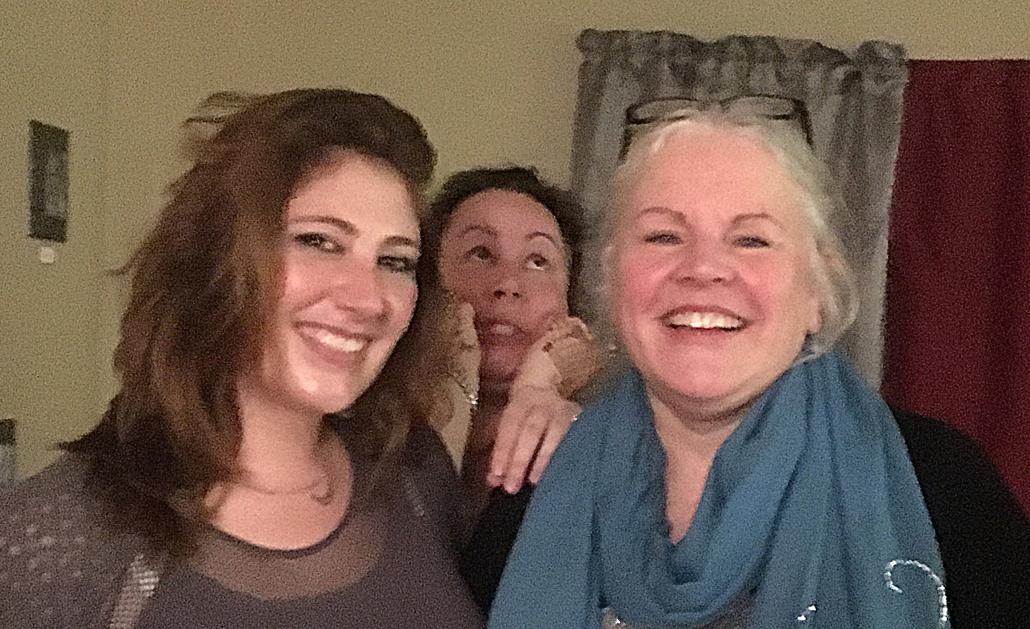 L-R: Zabel and me. Thanks to Maria O'Connor for the photobomb :-) and Erica Jolly MacKenzie for the photo!