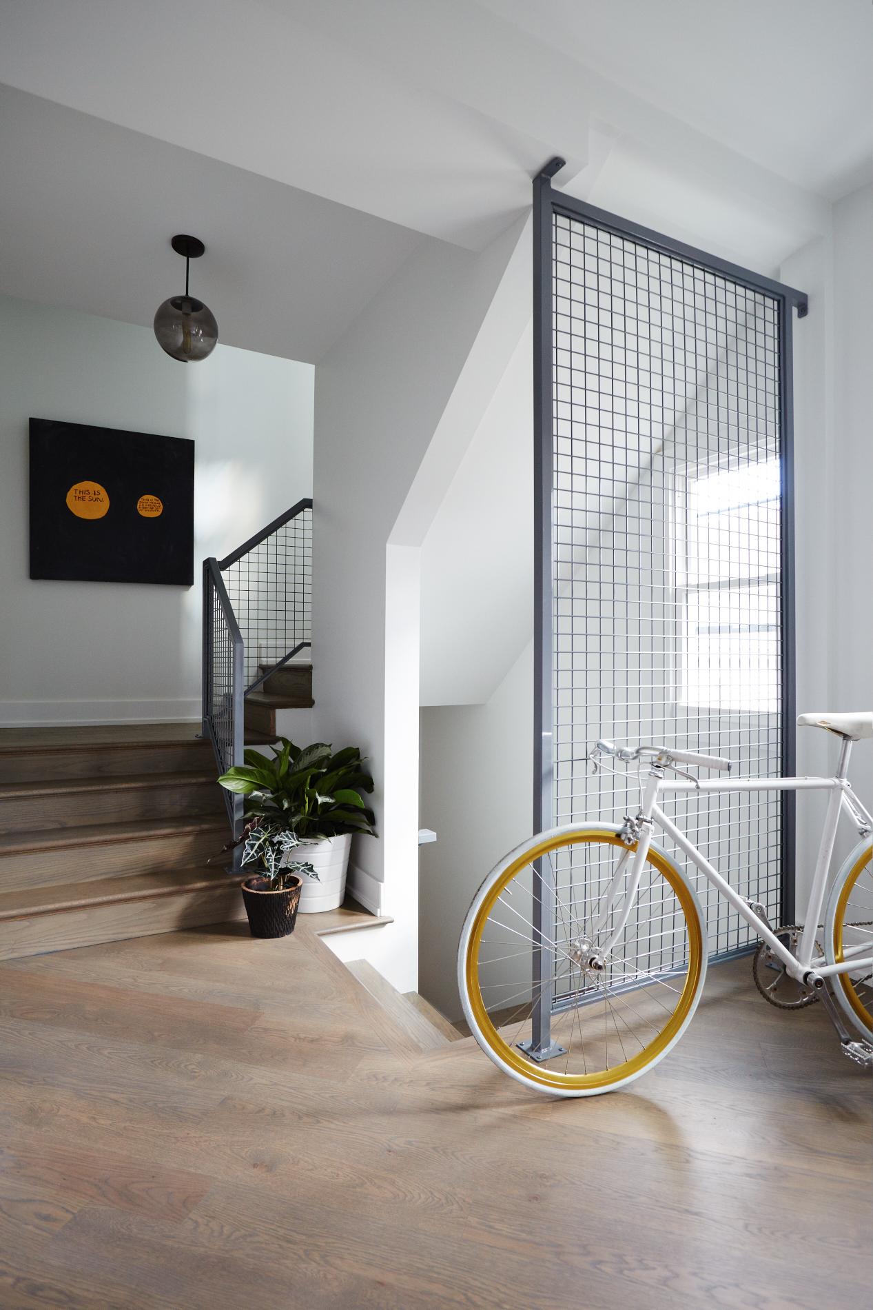 Diversey_Stairwell_3499.jpg