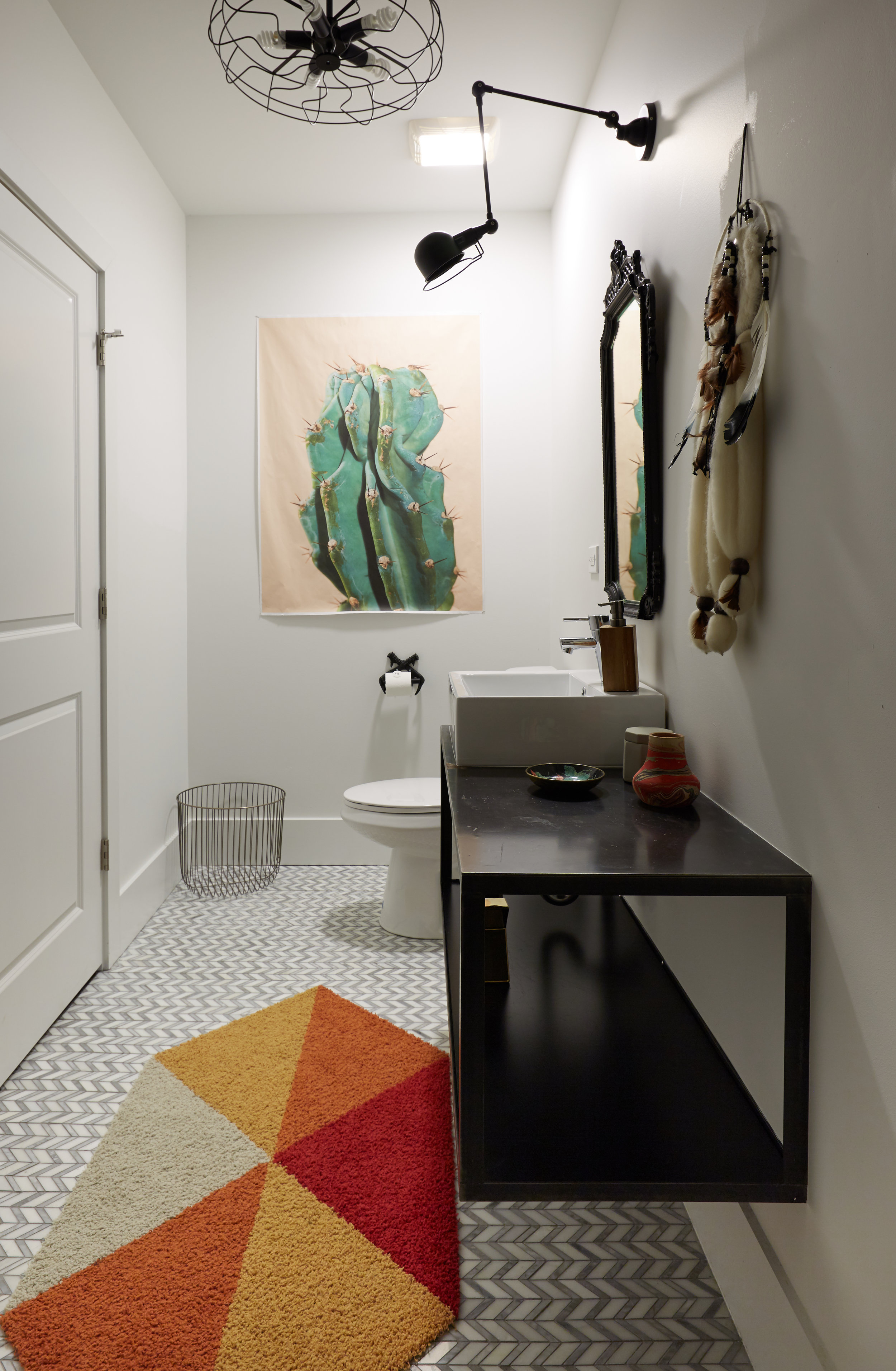 El_Motel_Bathroom_900.jpg