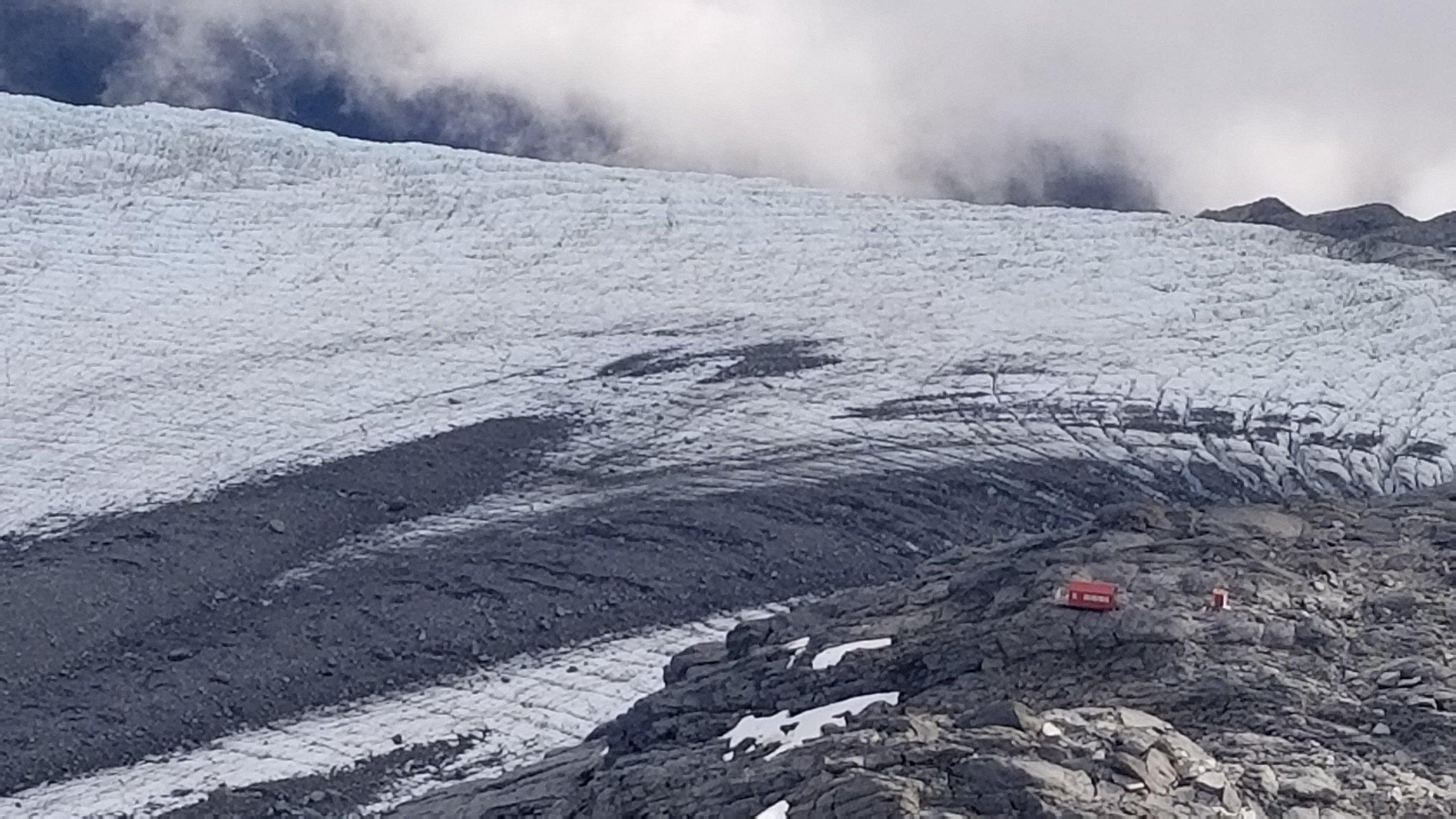 Final descent to the hut, Bonar Glacier behind