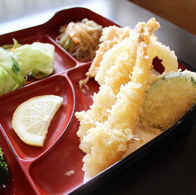 *crispy crunch* . . . #tempura #shrimp #sushi #richmondhill #japanesefood #yummy #eats