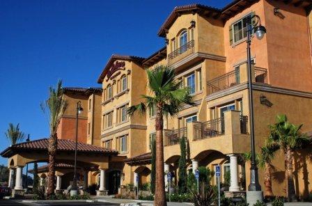 la-bellasera-hotel-and-suites_1.jpg
